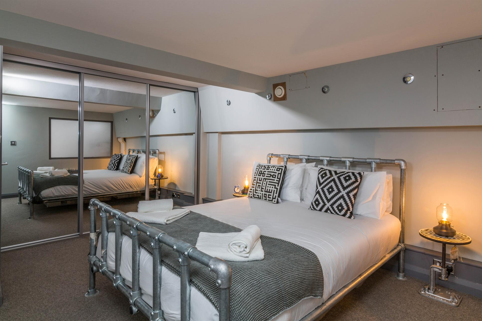 Bed at Crusader House Apartment, Hockley, Nottingham - Citybase Apartments