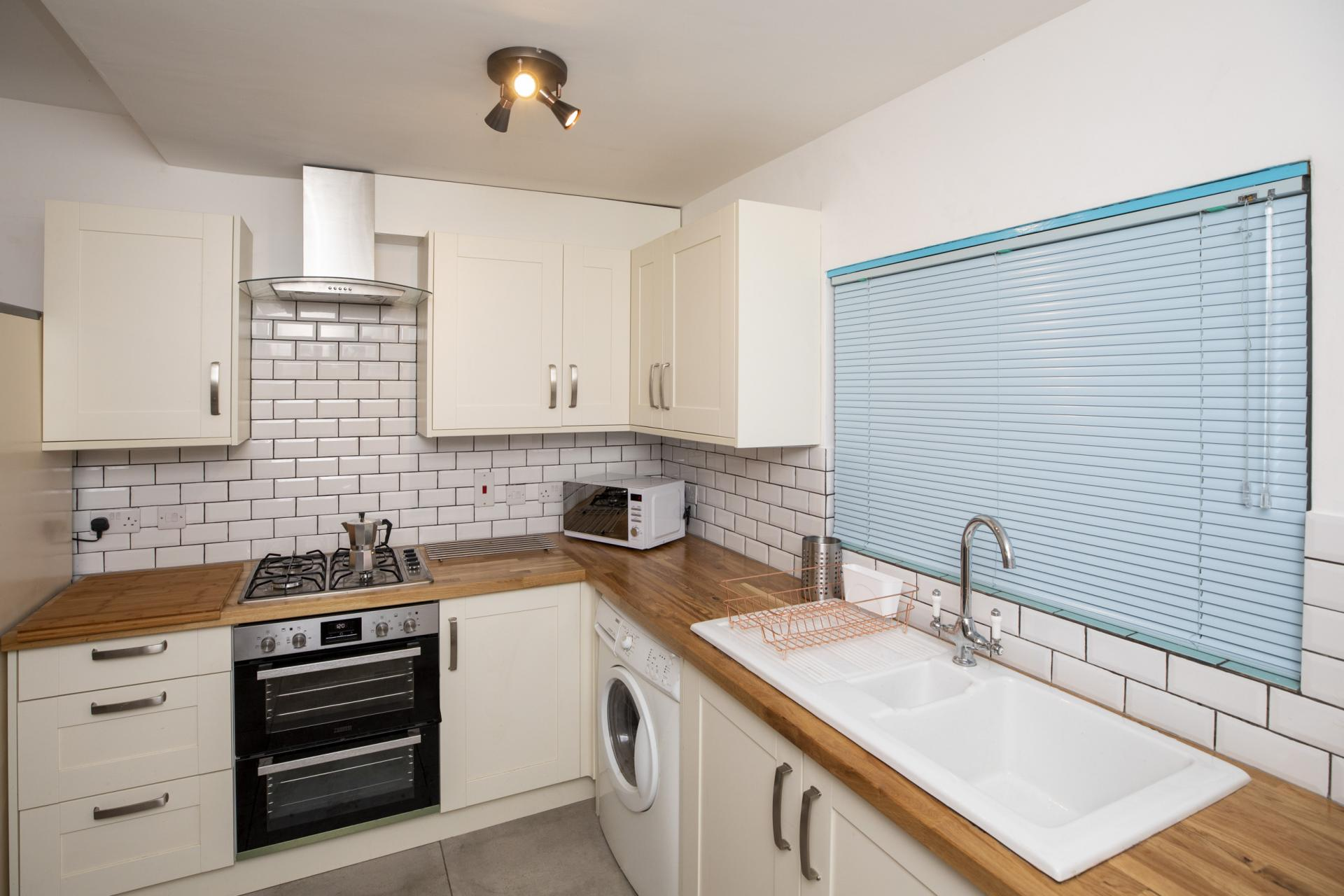 Kitchen at Nottingham Arthouse, Sneinton, Nottingham - Citybase Apartments