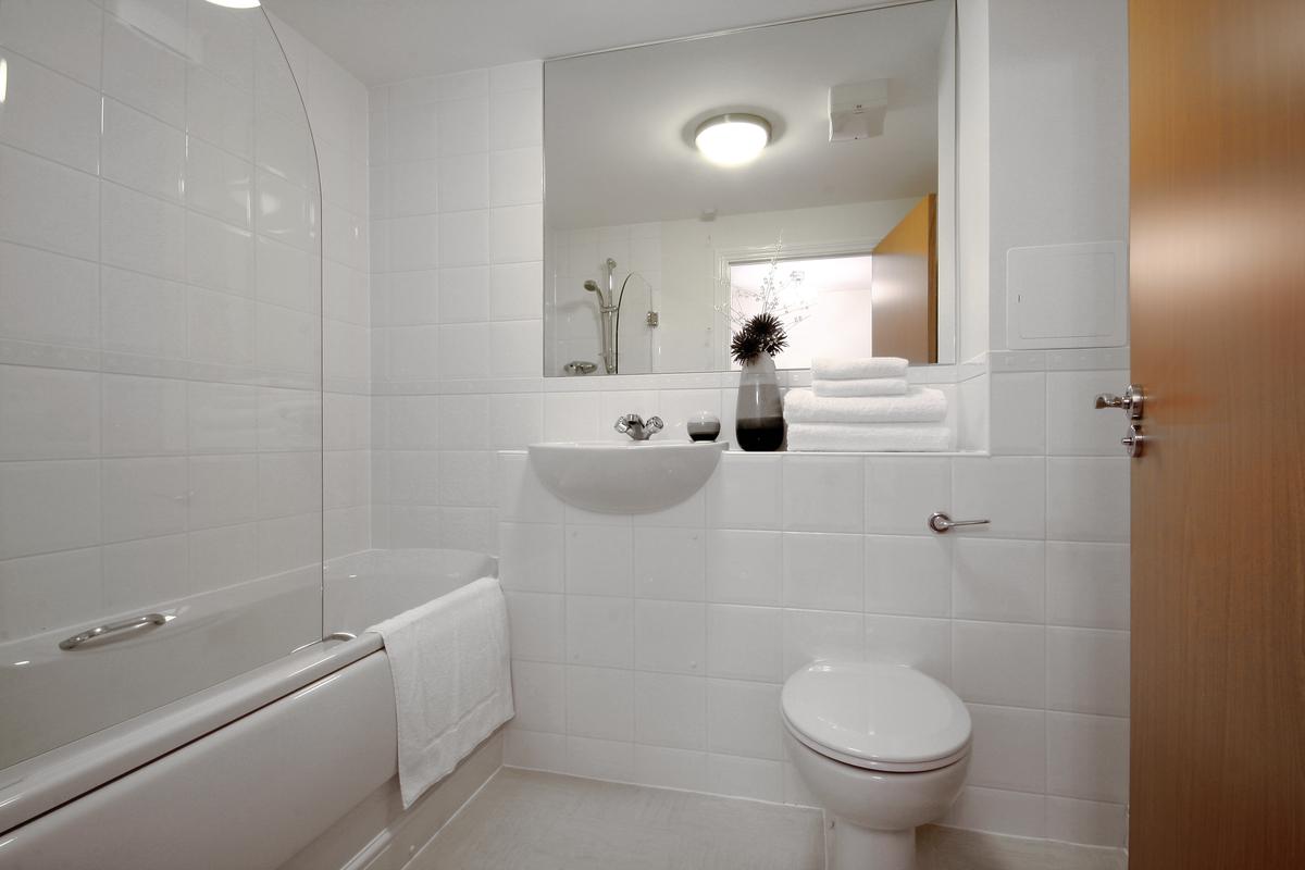 Bathroom at Kelvin Gate - Citybase Apartments