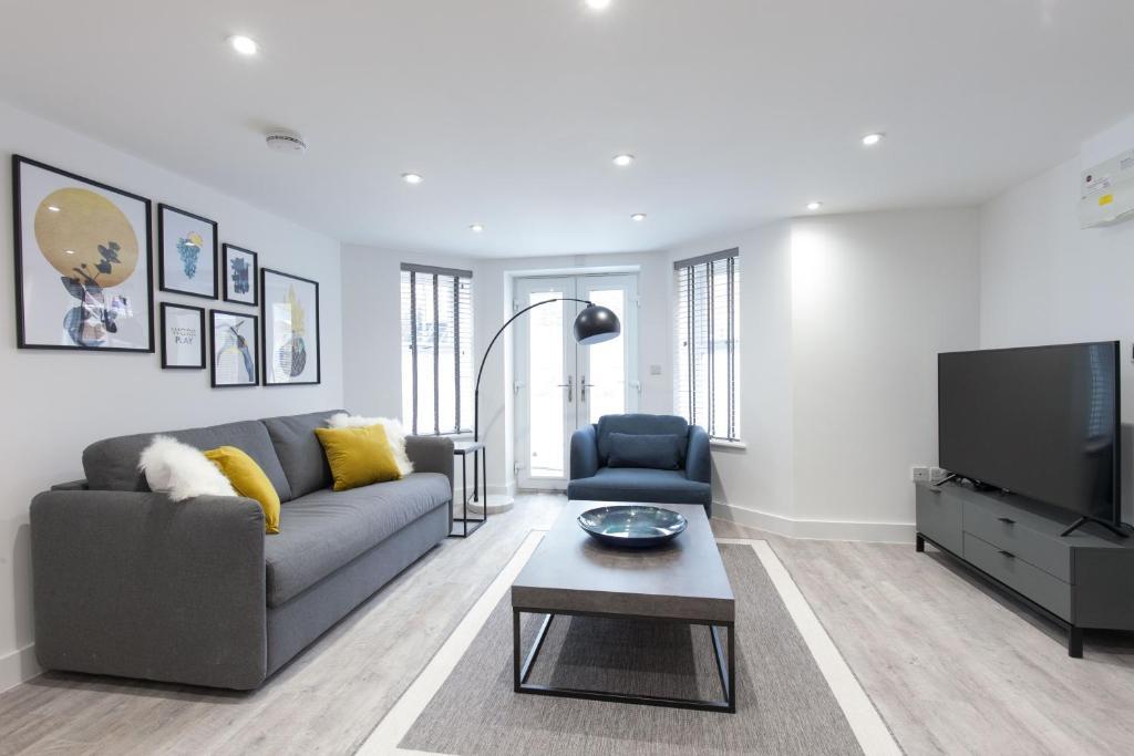Living area at Montague Road Apartments, Edgbaston, Birmingham - Citybase Apartments