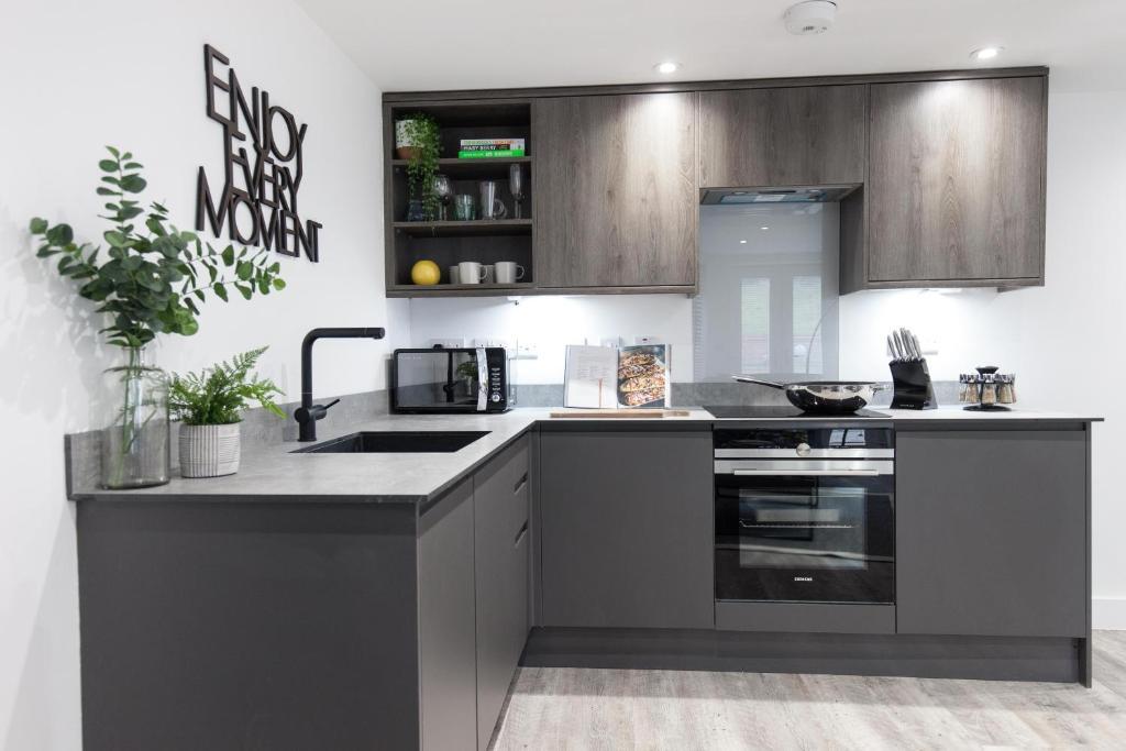 Kitchen at Montague Road Apartments, Edgbaston, Birmingham - Citybase Apartments