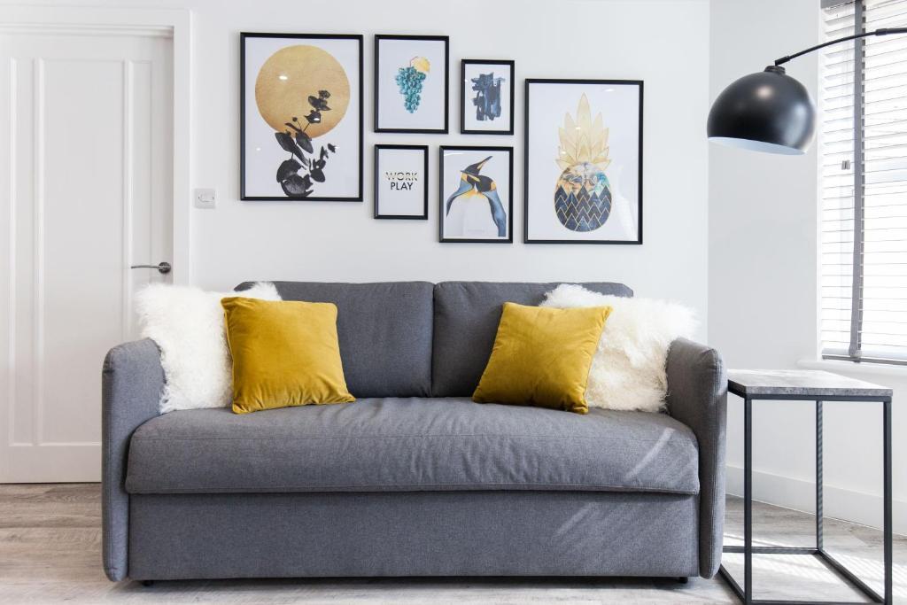 Artwork at Montague Road Apartments, Edgbaston, Birmingham - Citybase Apartments