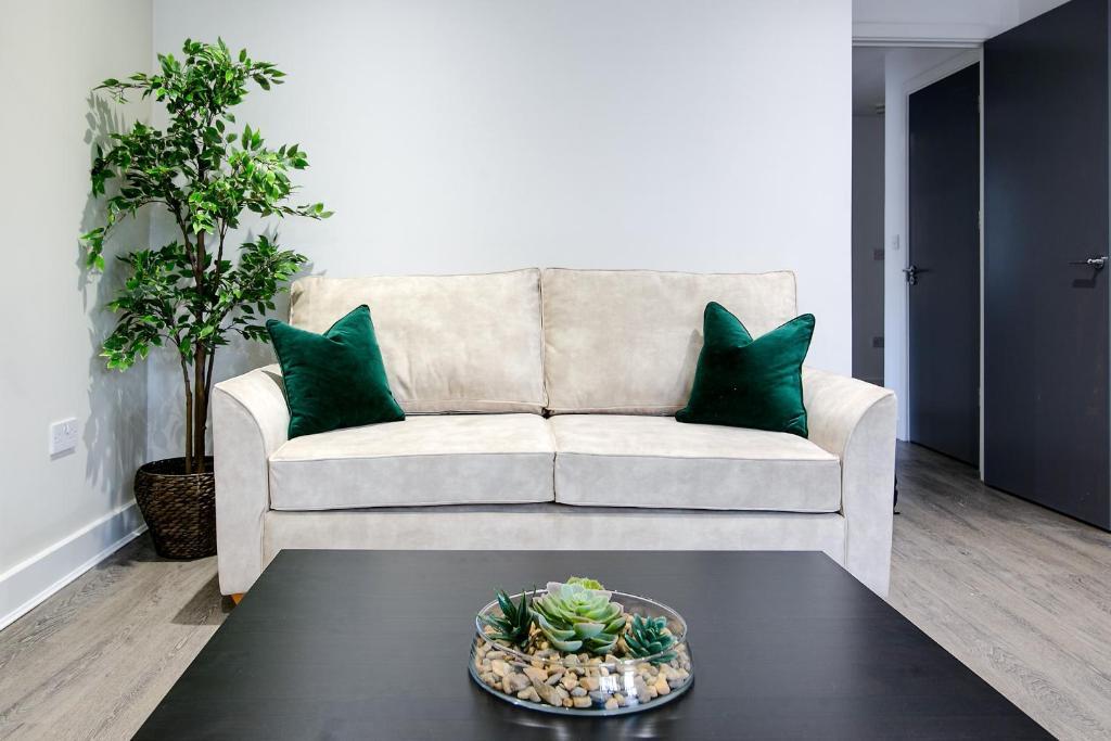 Sofa at Montague Road Apartments, Edgbaston, Birmingham - Citybase Apartments