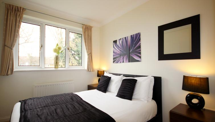 Double bed at Gray Place Apartments - Citybase Apartments