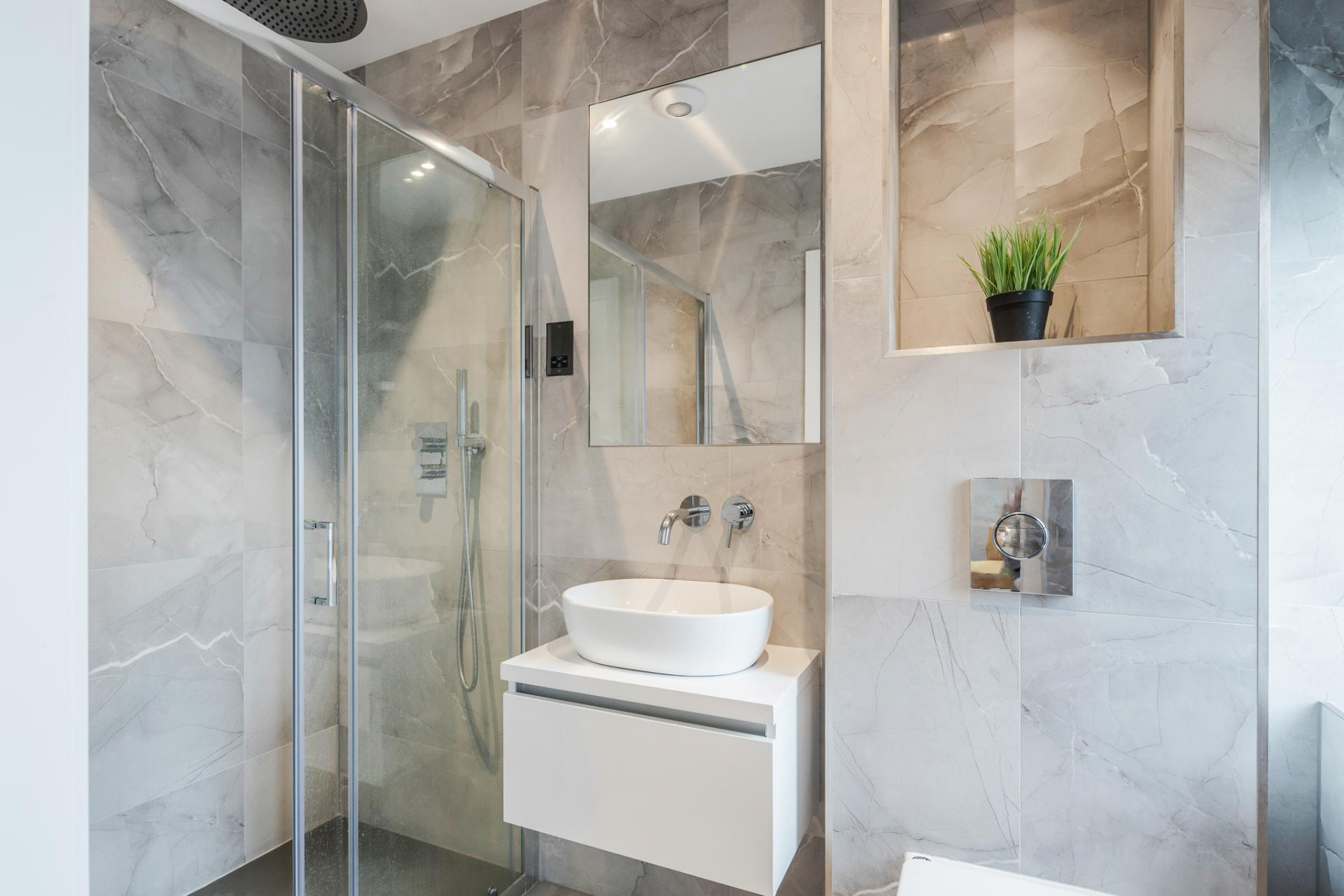 Shower at Dudley House Apartments, Brentford, London - Citybase Apartments