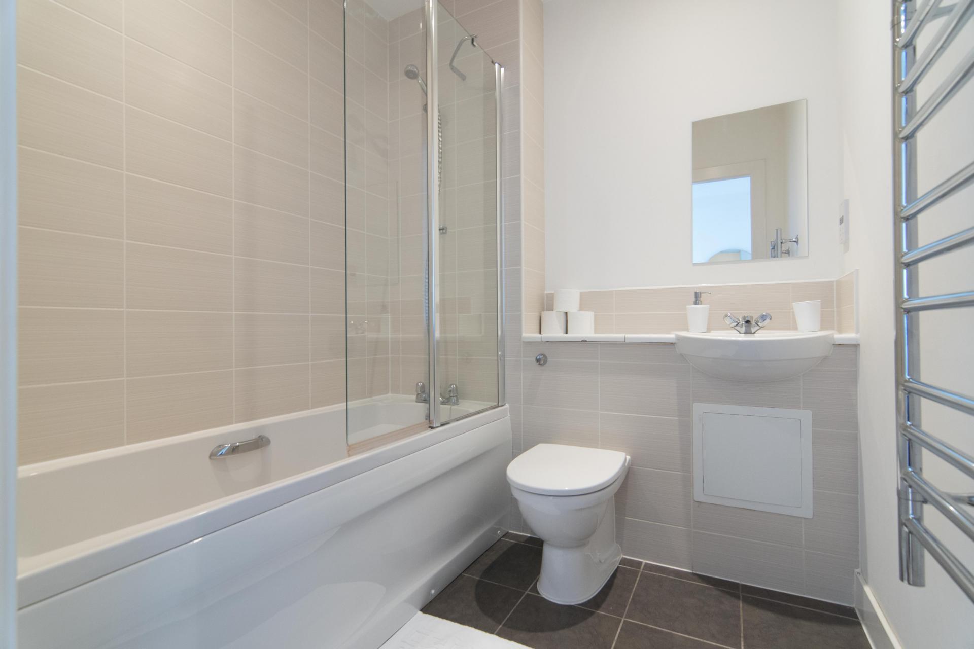 Bathroom at Glasgow Skyline Apartments, Centre, Glasgow - Citybase Apartments