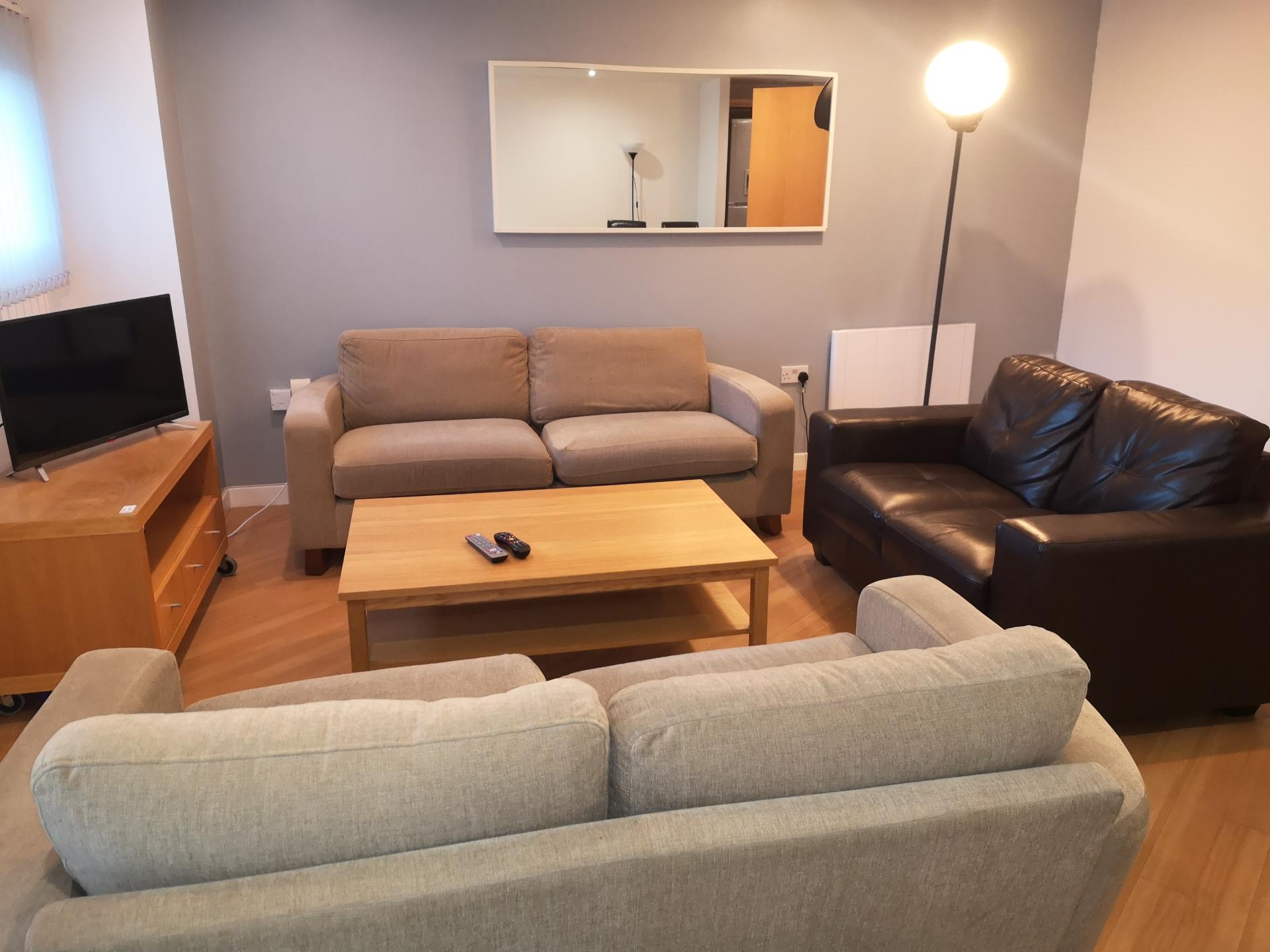 Living Area at Glasgow Central River Apartments, Centre, Glasgow - Citybase Apartments
