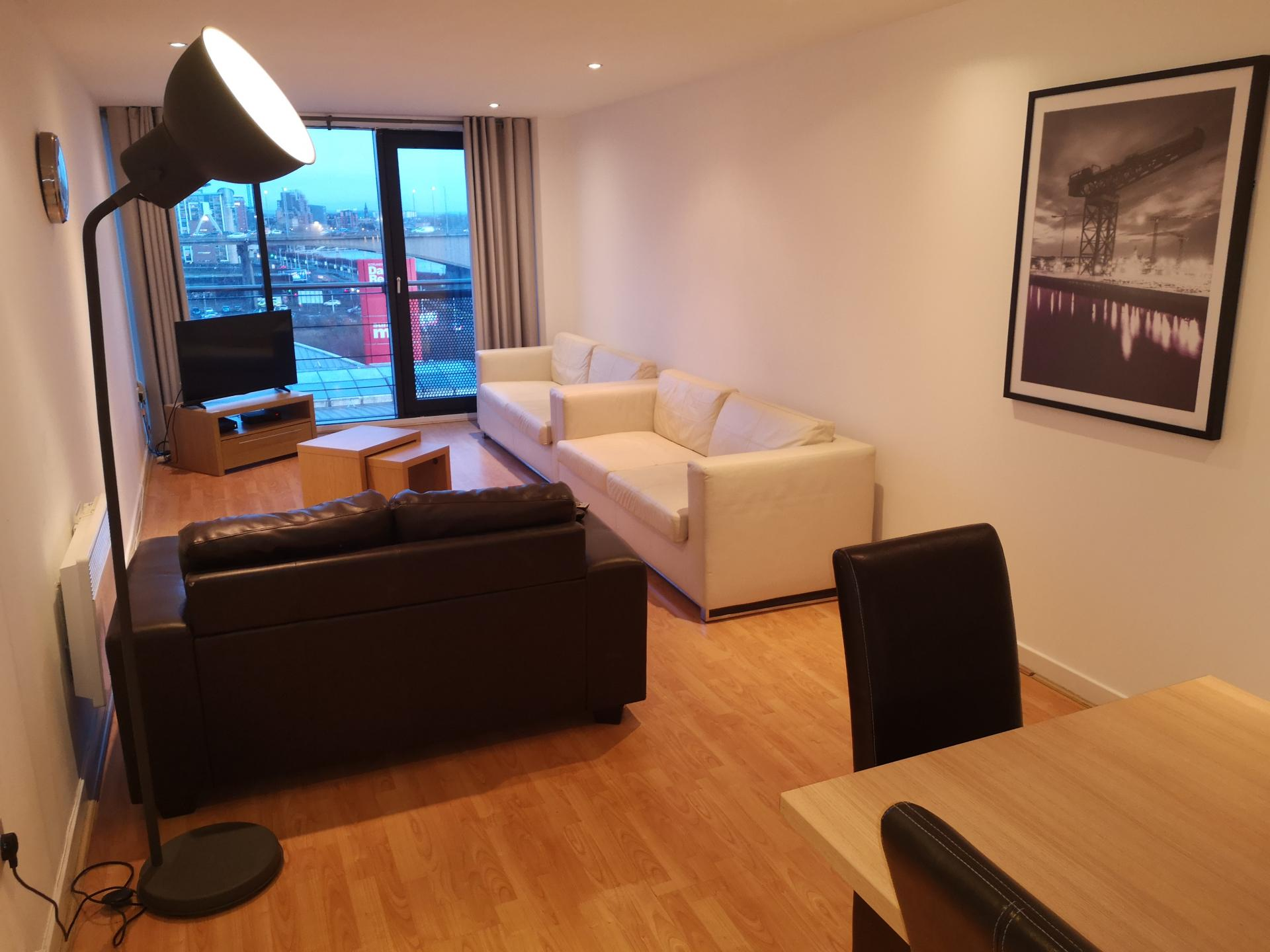 Dining Area at Glasgow Central River Apartments, Centre, Glasgow - Citybase Apartments