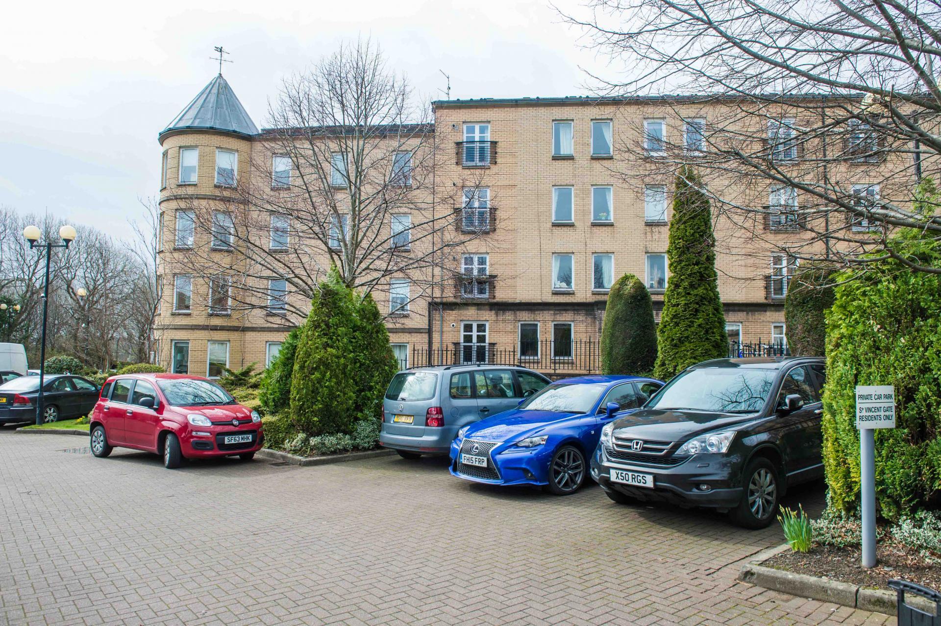 Entrance and car park at Glasgow Finnieston Apartment, Finnieston, Glasgow - Citybase Apartments
