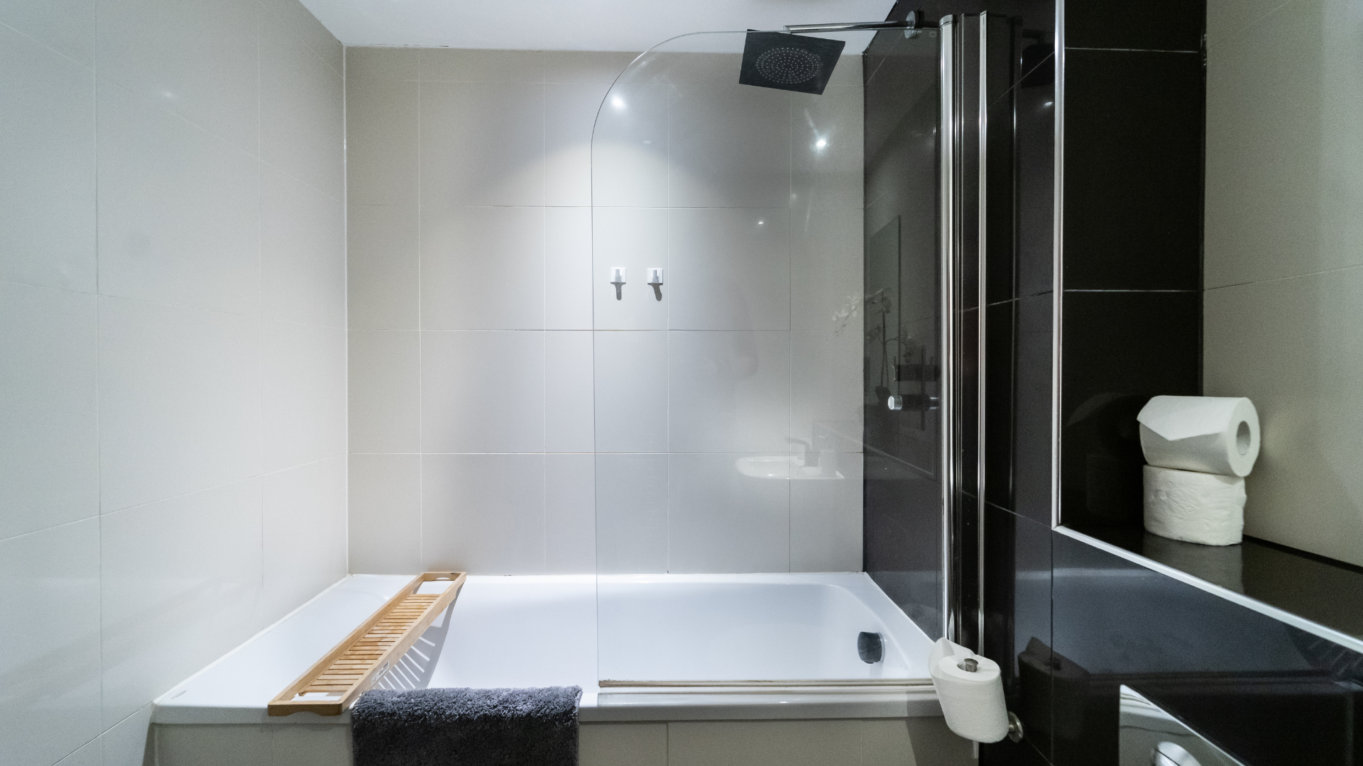 Shower at Quarter Blonk Street Apartments, Centre, Sheffield - Citybase Apartments