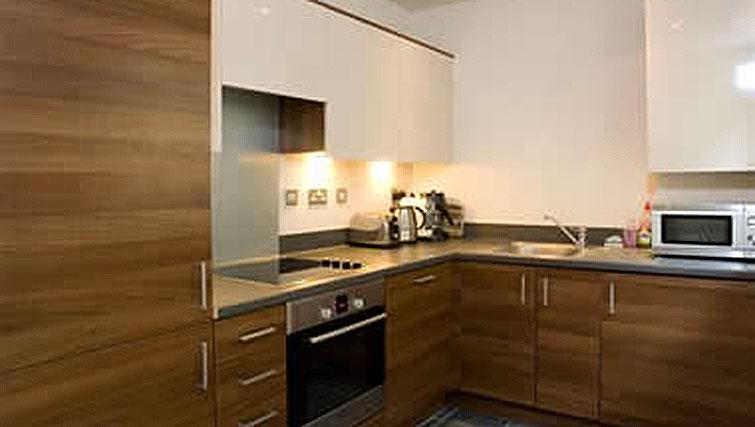 Modern kitchen in Hercules Apartments - Citybase Apartments