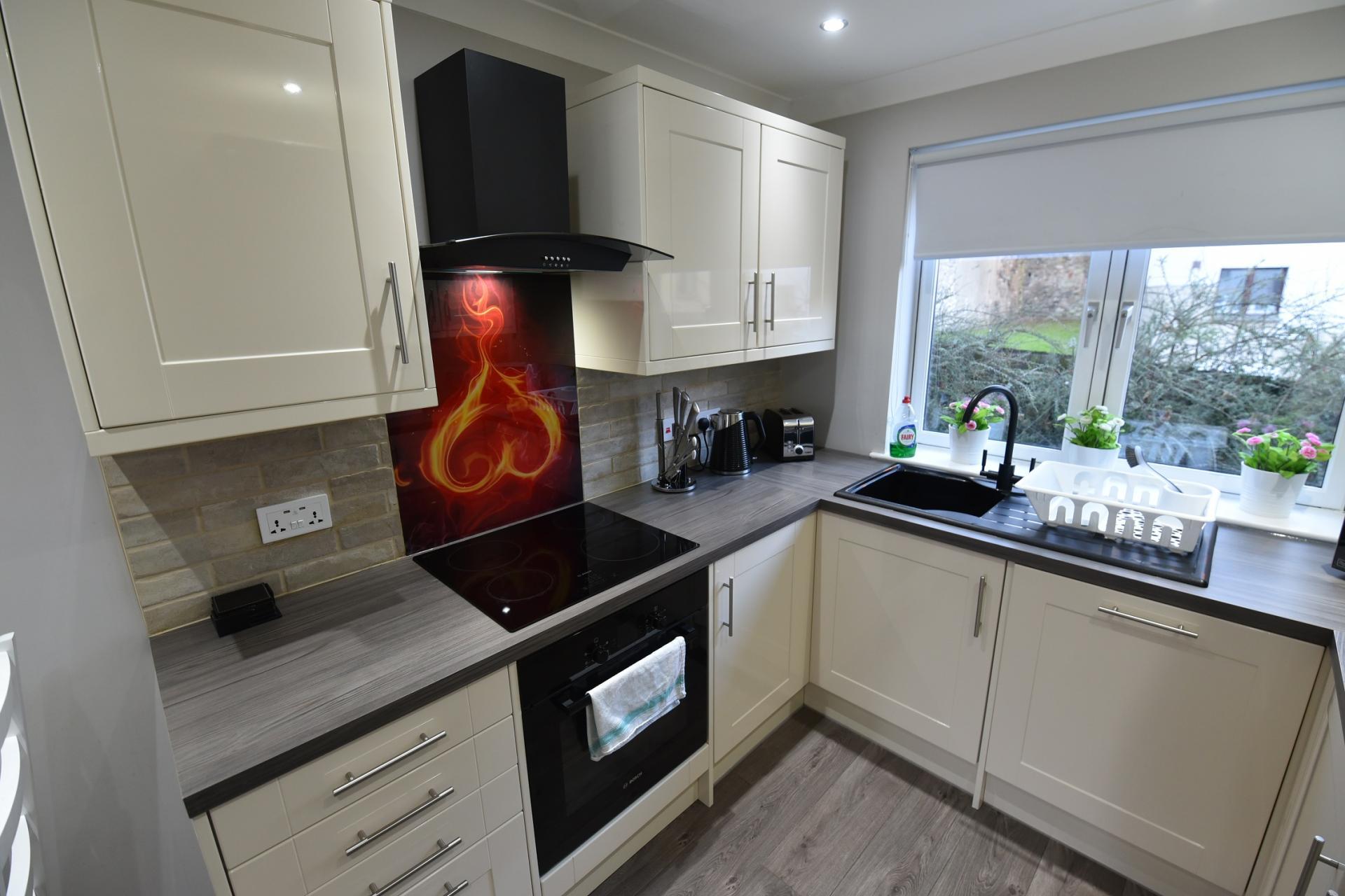 Kitchen at St Johns Hill Apartment, Old Town, Edinburgh - Citybase Apartments