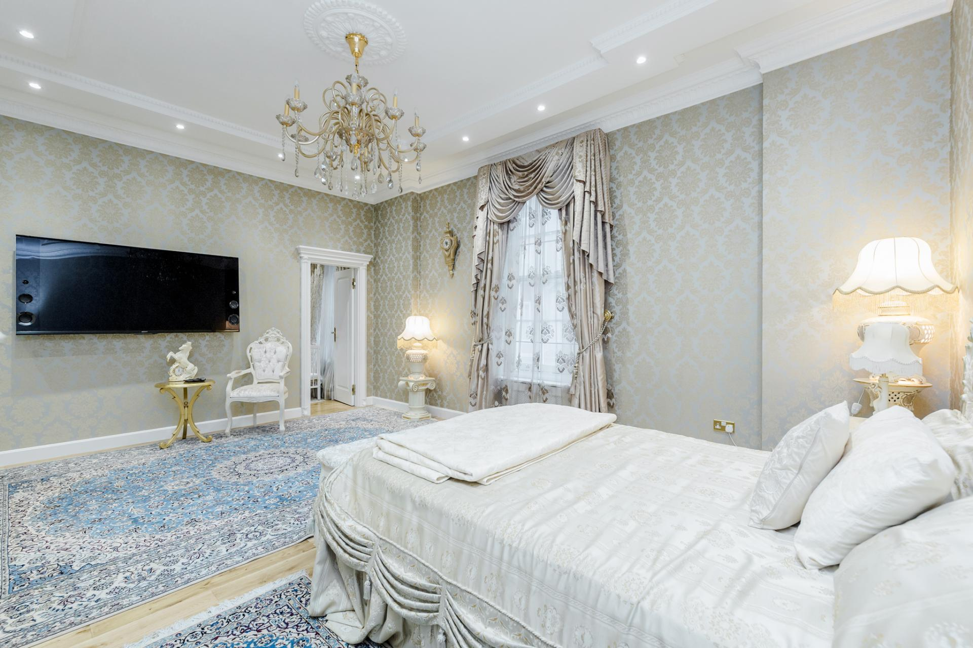 TV at Grosvenor Square Apartment, Mayfair, London - Citybase Apartments