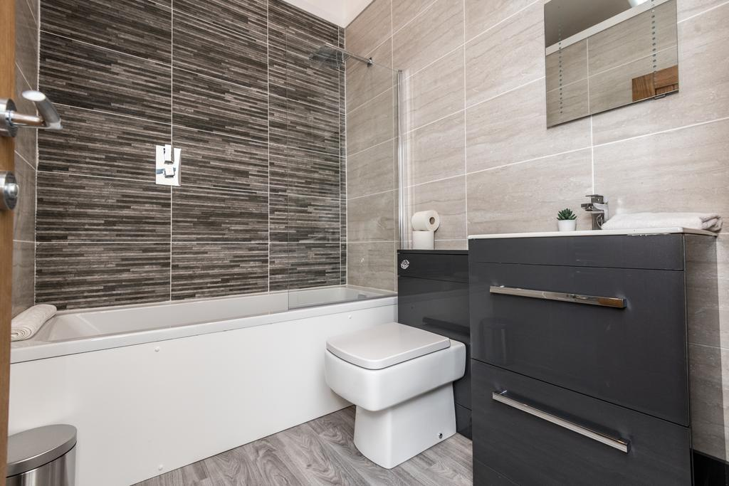 Bathroom at Stanley Street Serviced Apartments, Centre, Liverpool - Citybase Apartments
