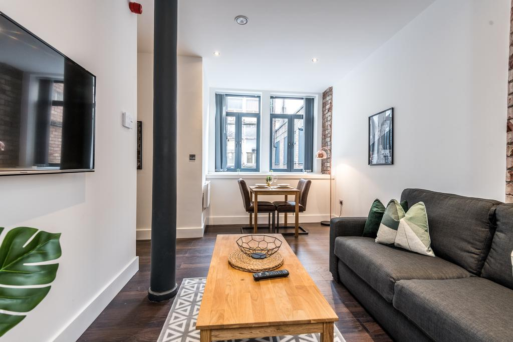 Living room at Stanley Street Serviced Apartments, Centre, Liverpool - Citybase Apartments