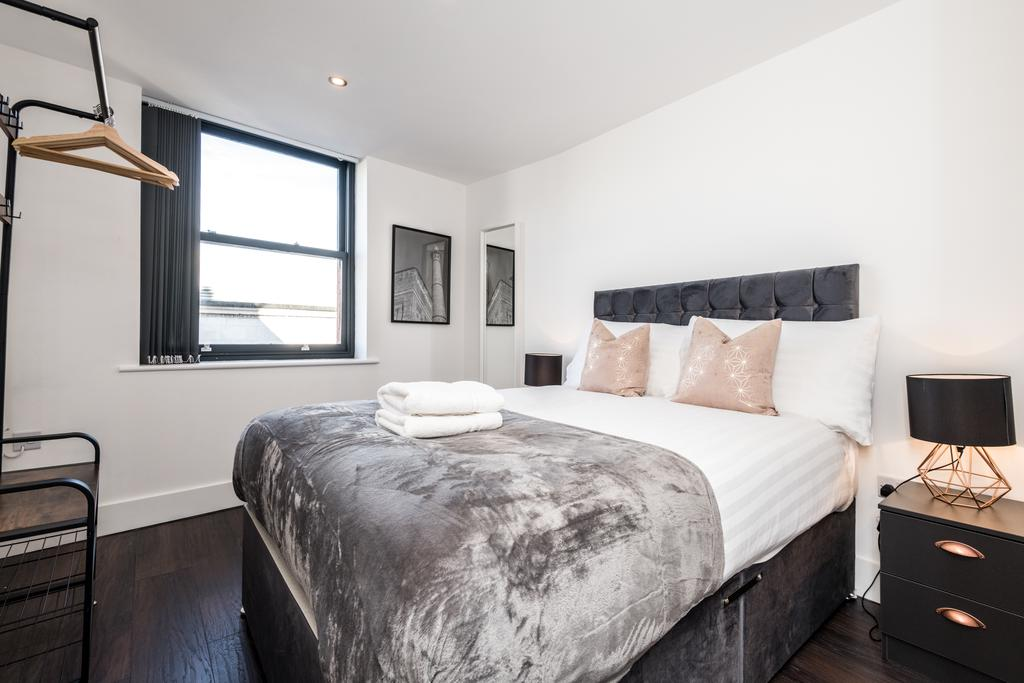 Bed at Stanley Street Serviced Apartments, Centre, Liverpool - Citybase Apartments