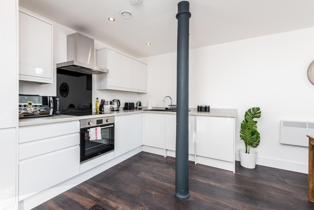 Oven at Stanley Street Serviced Apartments, Centre, Liverpool - Citybase Apartments
