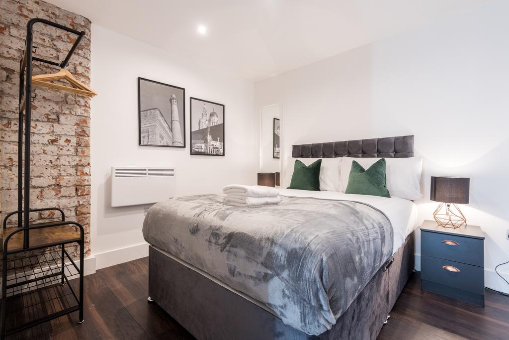 Brick wall at Stanley Street Serviced Apartments, Centre, Liverpool - Citybase Apartments