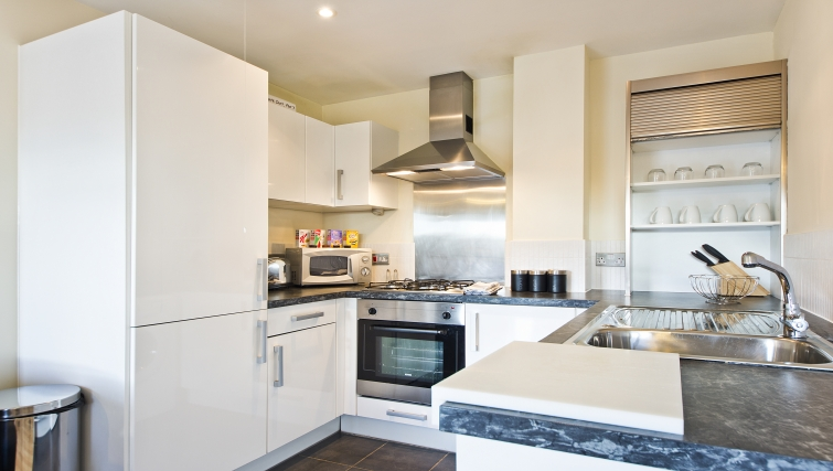 Outstanding kitchen in Woodgate Court Apartments - Citybase Apartments