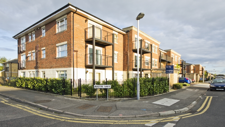 Great exterior of Woodgate Court Apartments - Citybase Apartments