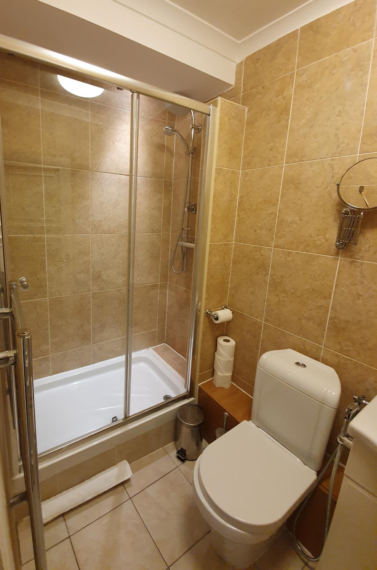 Shower at Marylebone Serviced Apartments, Marylebone, London - Citybase Apartments