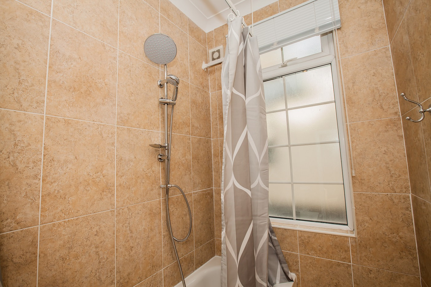 Shower/Bath at Marylebone Serviced Apartments, Marylebone, London - Citybase Apartments