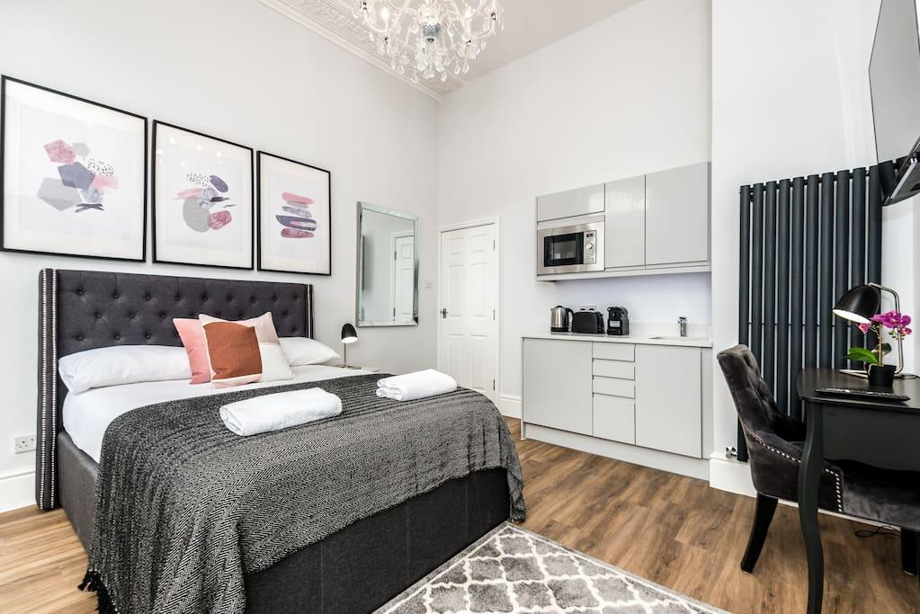 Bed area at Falkner Street Apartments, Ropewalks, Liverpool - Citybase Apartments