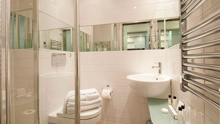 Lovely bathroom in Native Camden Apartments - Citybase Apartments