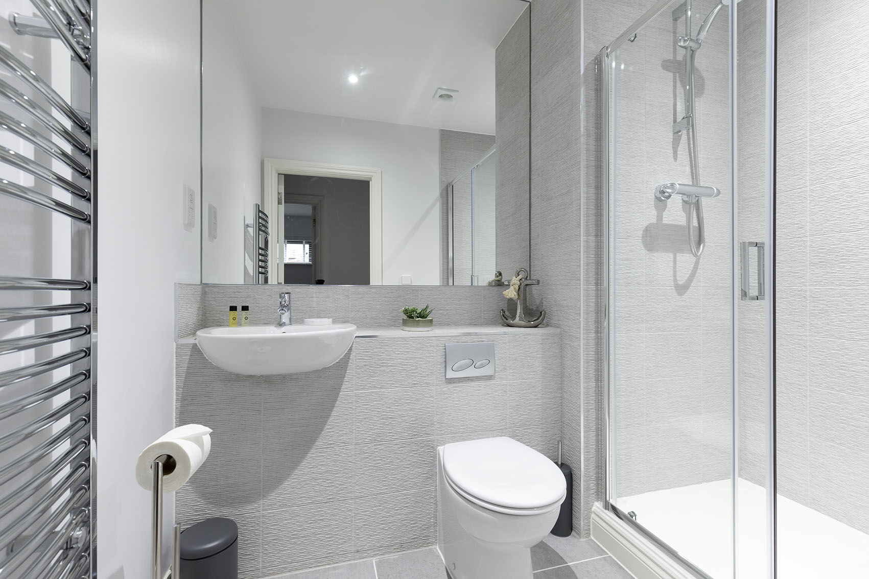 Bathroom at Mariners Court Apartment, The Docks, Gloucester - Citybase Apartments