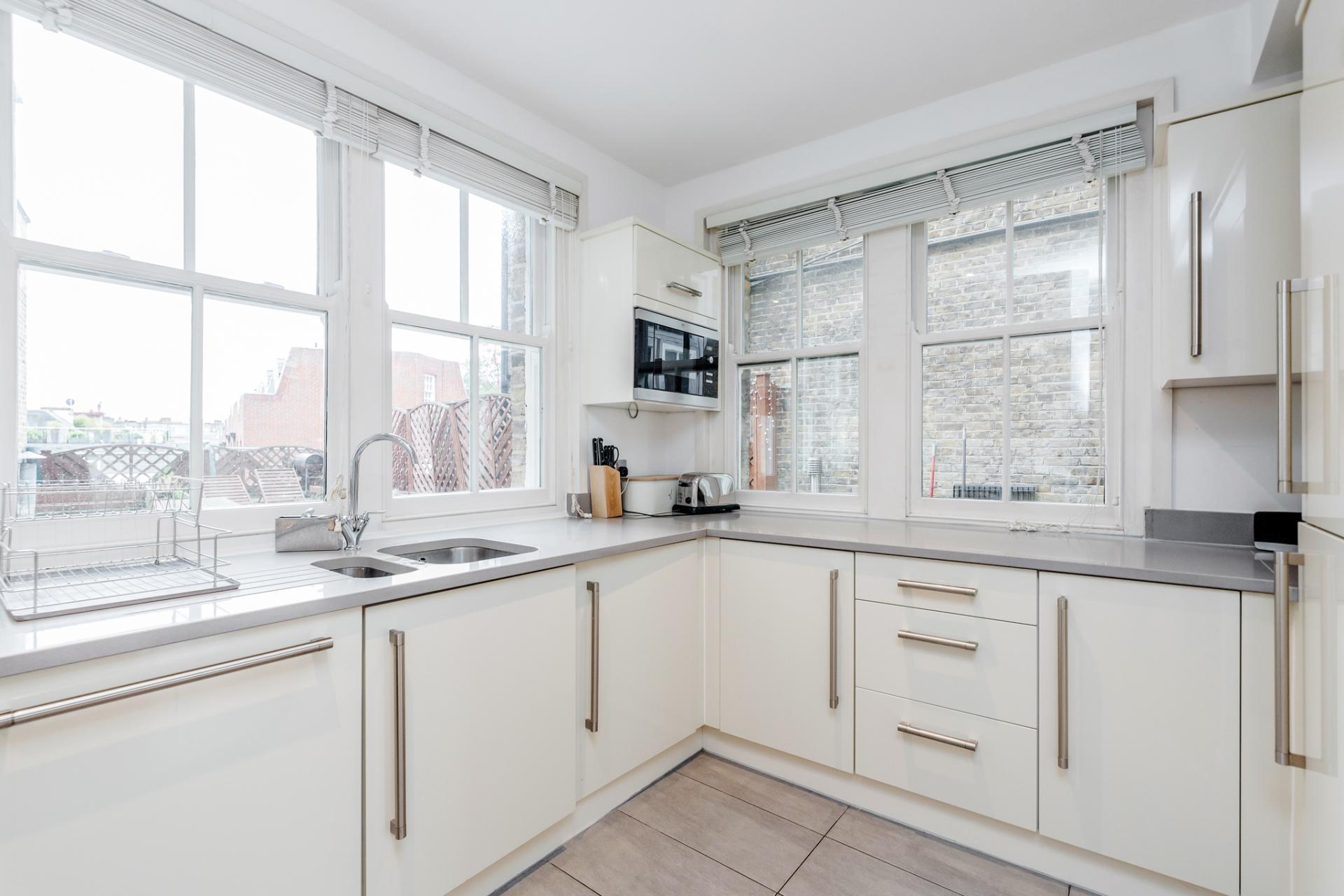Kitchen at Eden Close Apartment, Kensington, London - Citybase Apartments