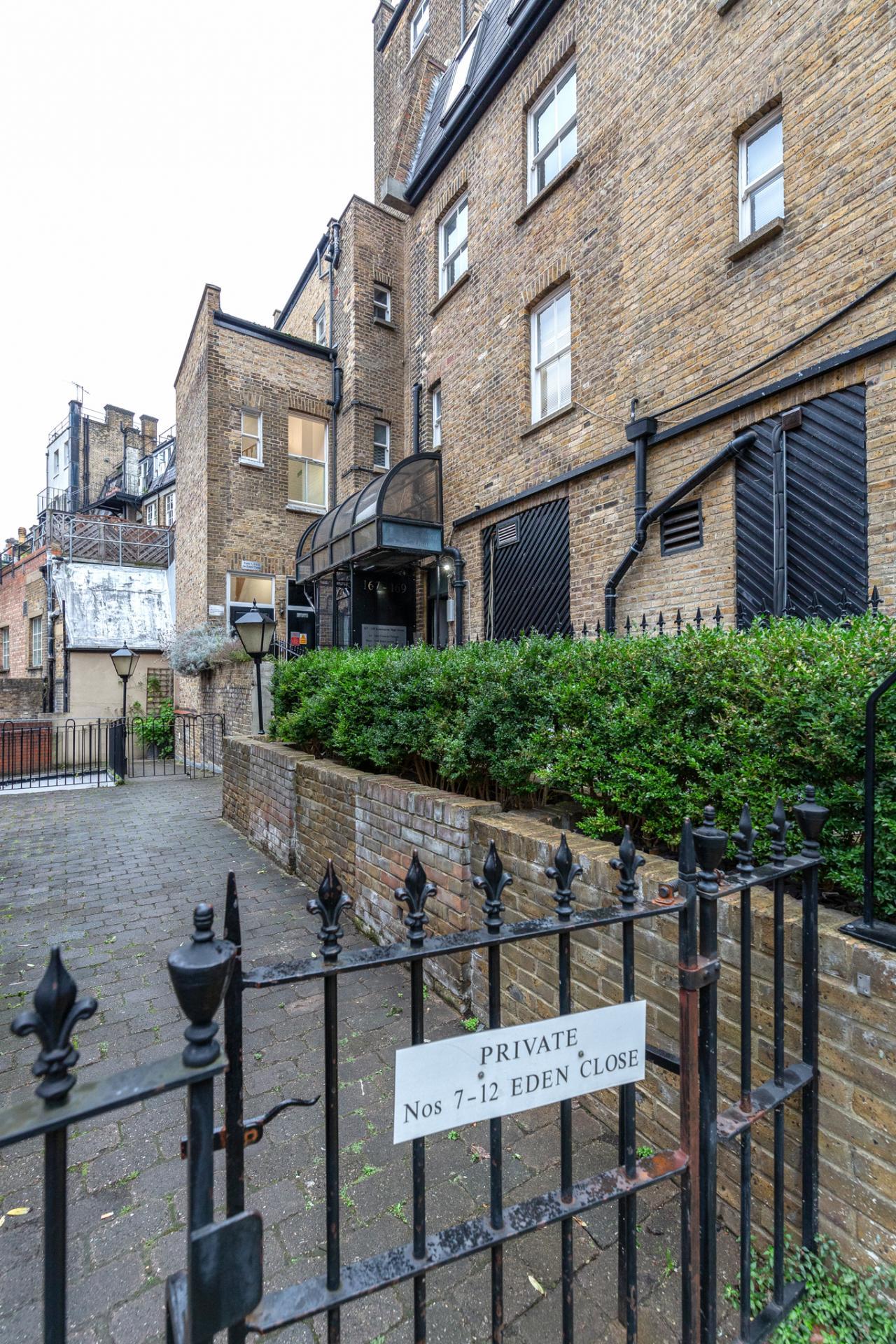 Entrance at Eden Close Apartment, Kensington, London - Citybase Apartments