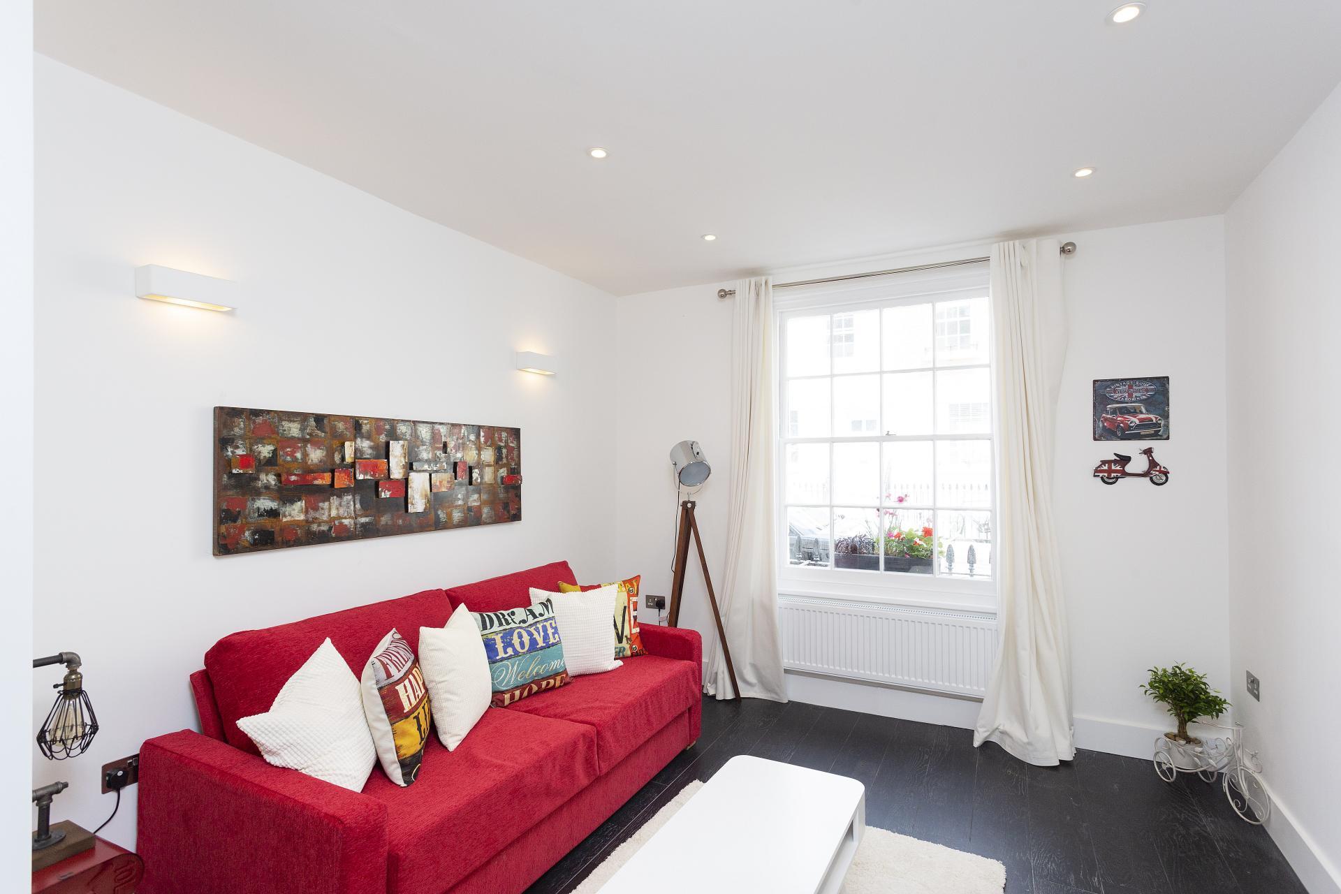 Lounge at Luxury Knightsbridge House, Knightsbridge, London - Citybase Apartments