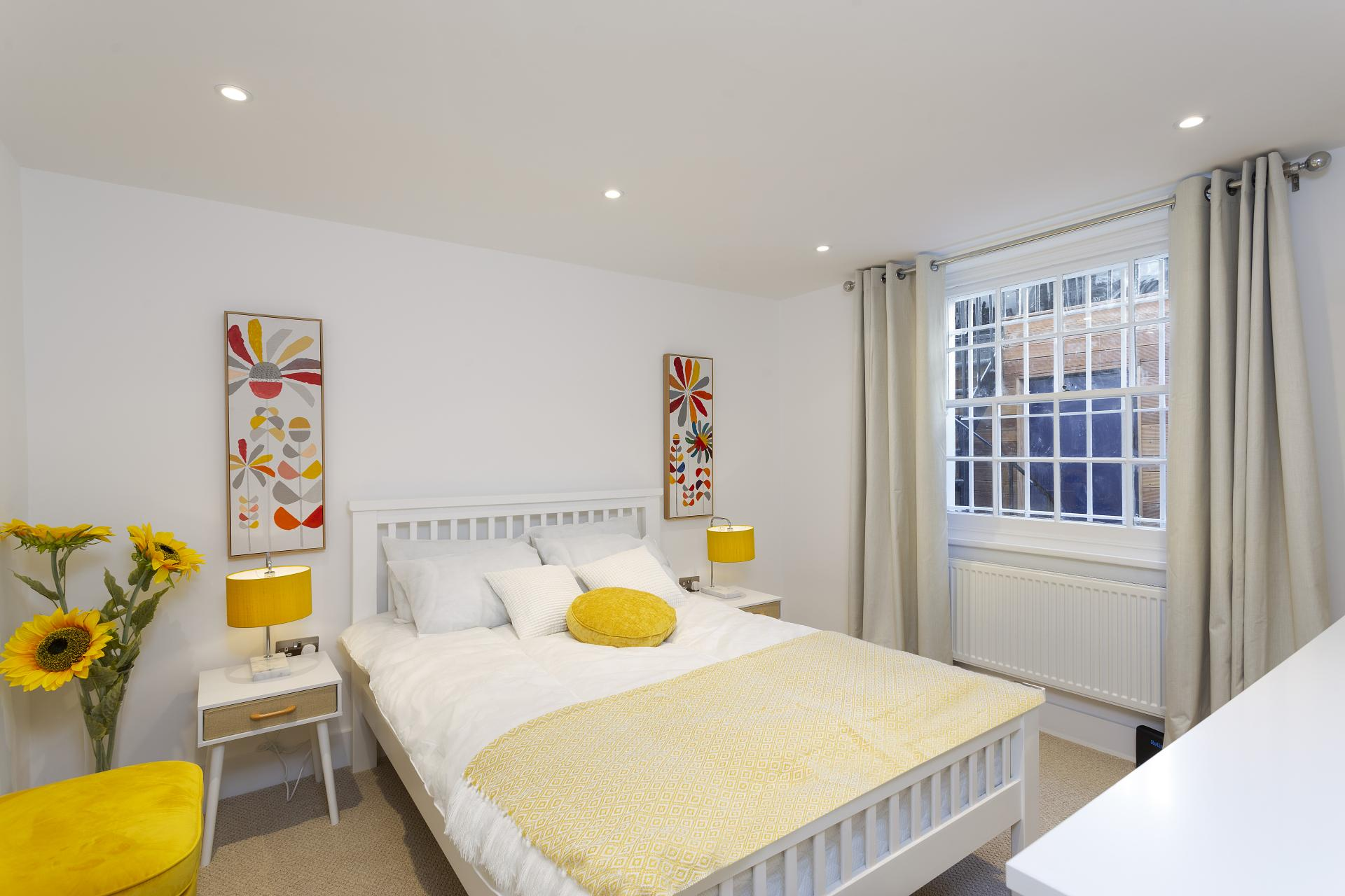 Bedroom at Luxury Knightsbridge House, Knightsbridge, London - Citybase Apartments
