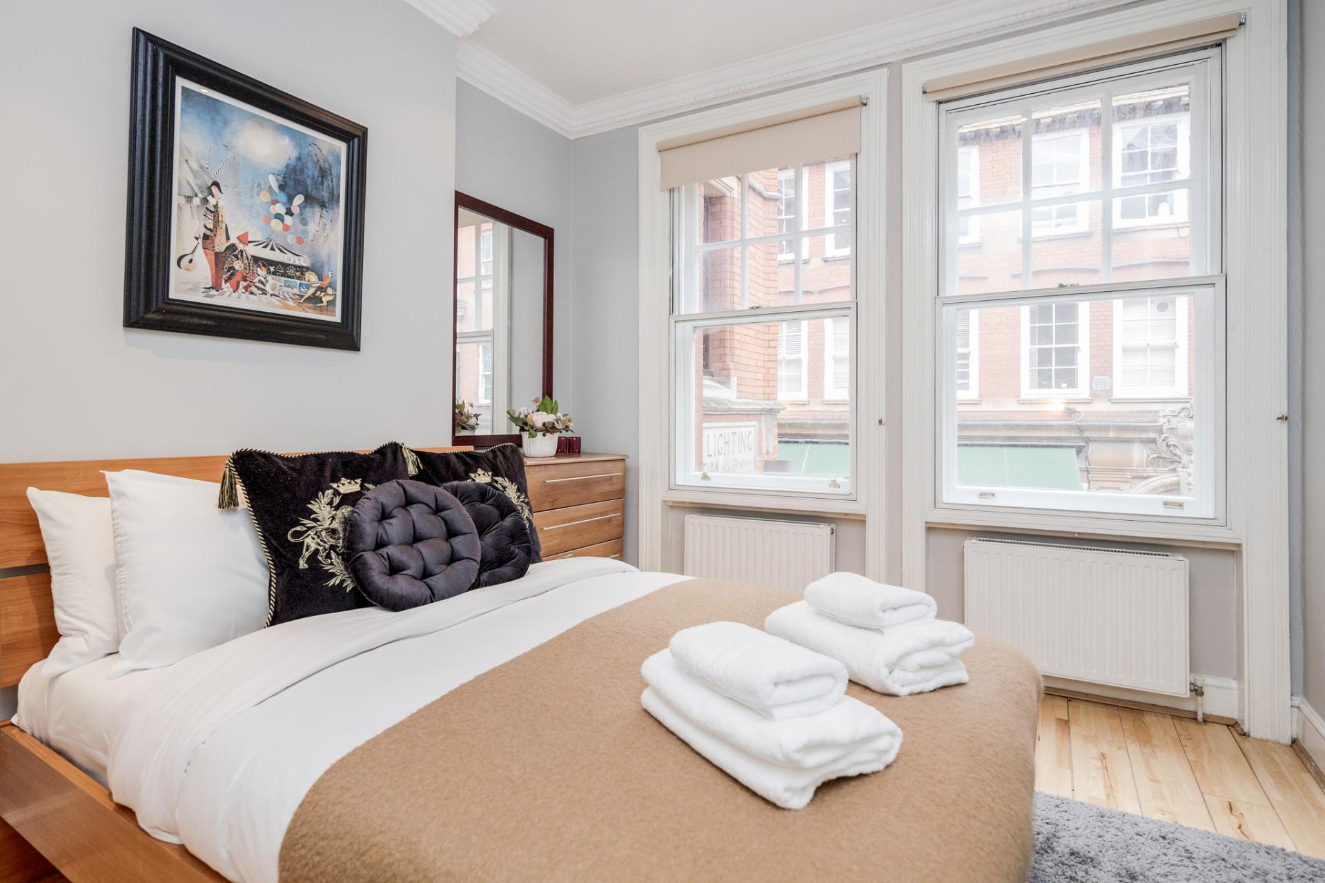 Bedroom at Kensington High Street, Kensington, London - Citybase Apartments