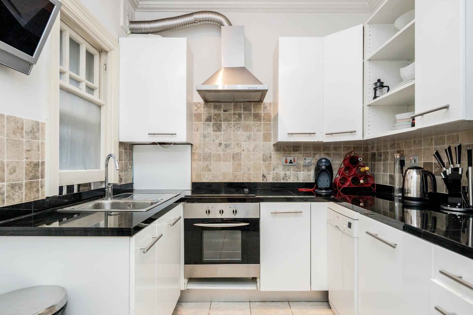 Kitchen at Kensington High Street, Kensington, London - Citybase Apartments