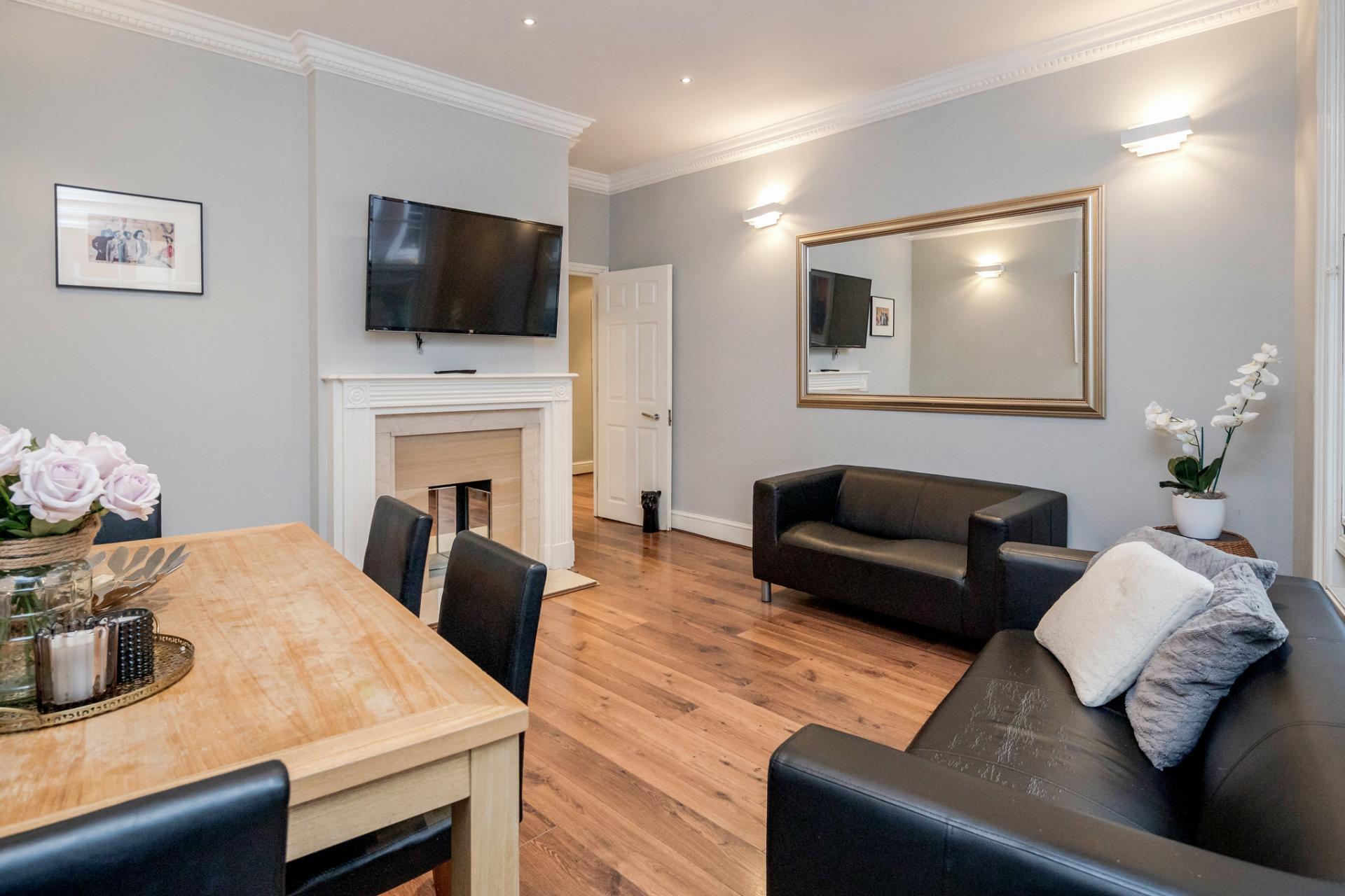 Lounge at Kensington High Street, Kensington, London - Citybase Apartments