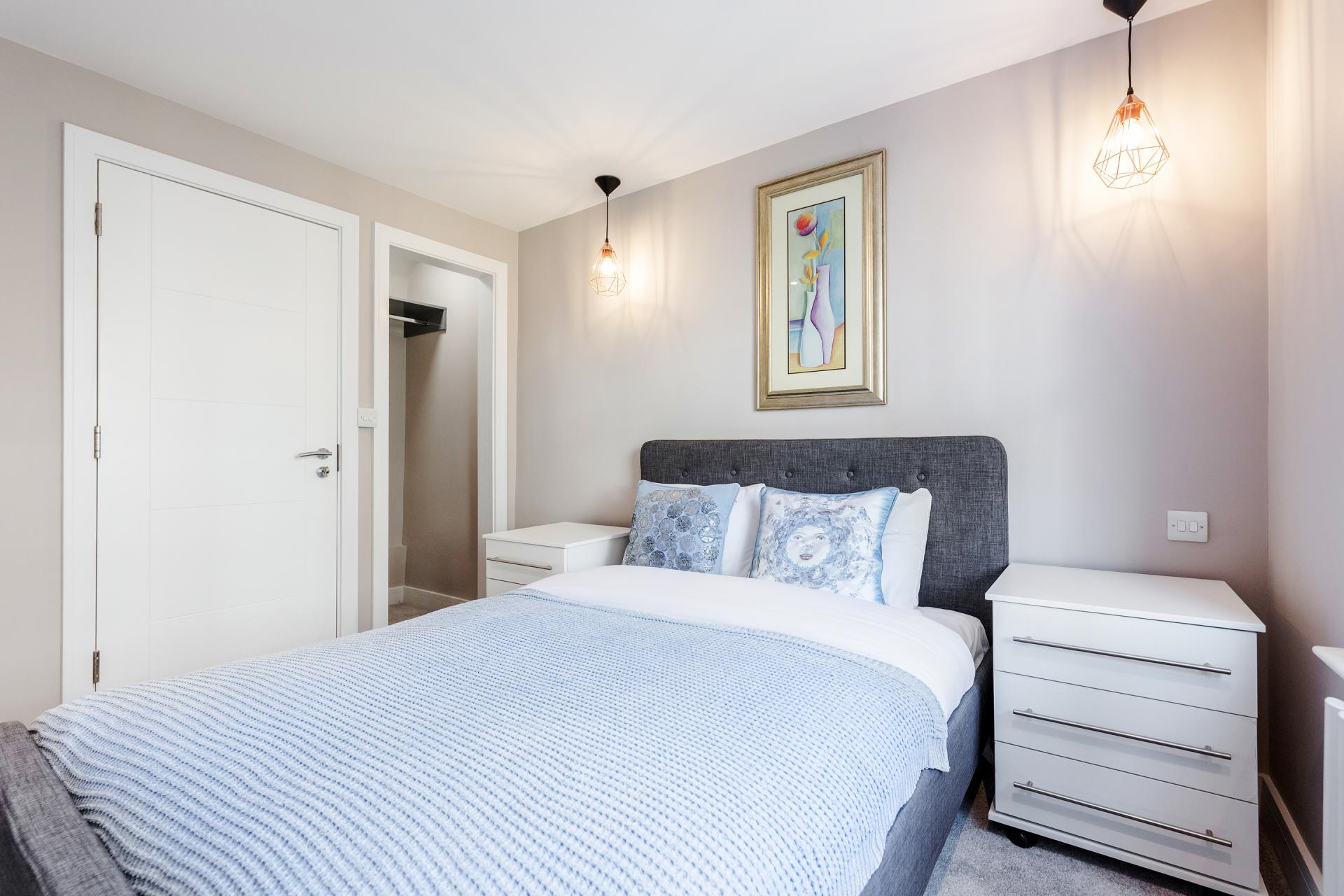 Bedroom at Notting Hill Style, Ladbroke Grove, London - Citybase Apartments