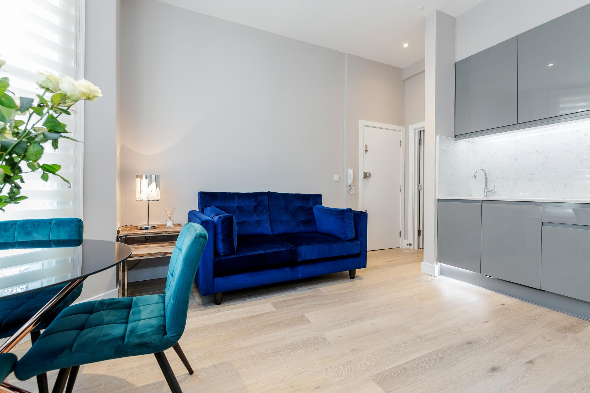 Lounge at Notting Hill Style, Ladbroke Grove, London - Citybase Apartments