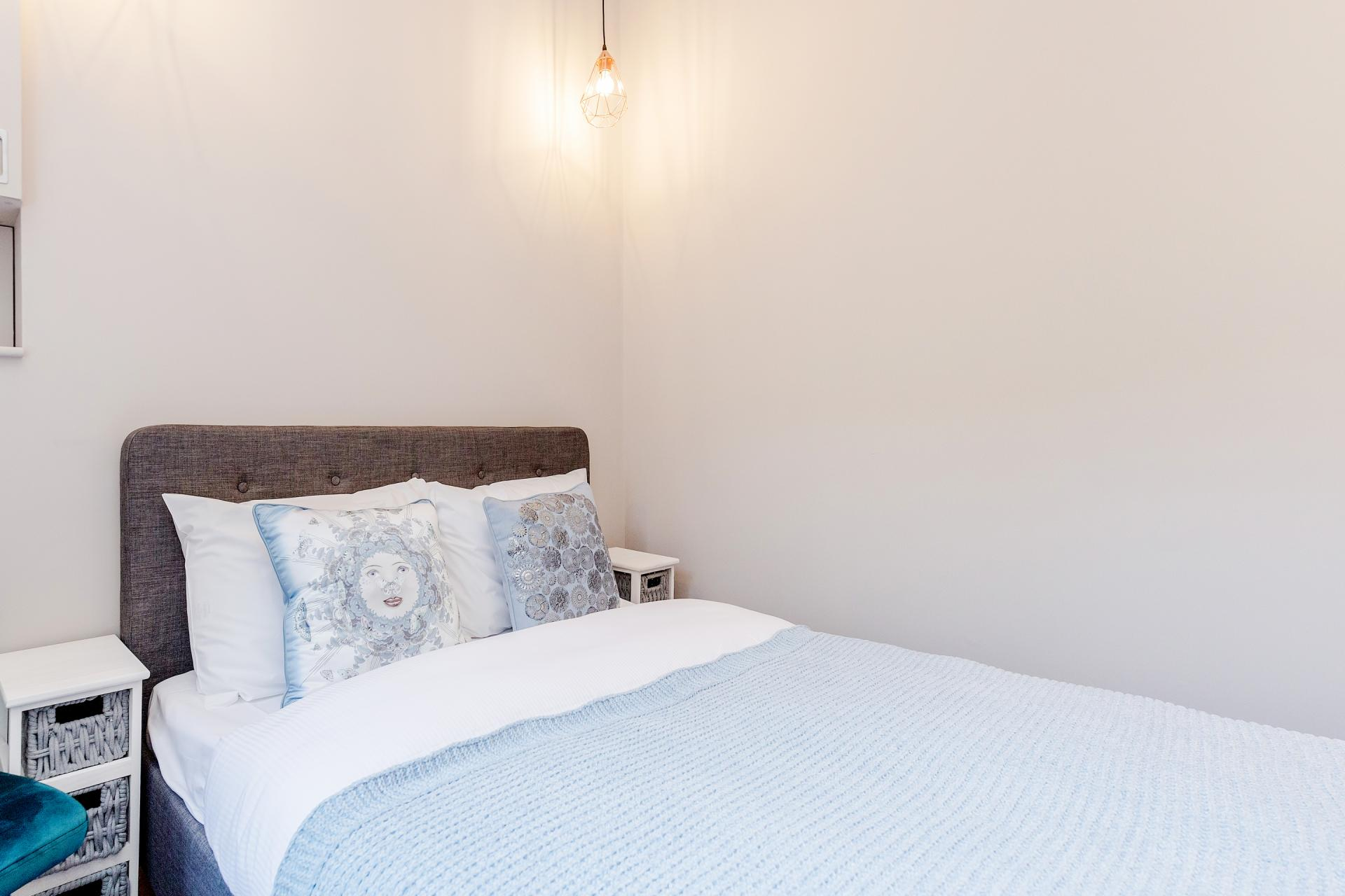 Bright bedroom at Hill Style, Ladbroke Grove, London - Citybase Apartments
