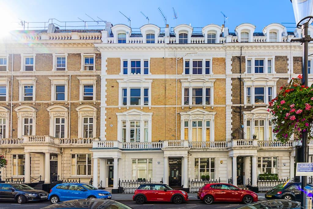 Exterior of Clanricarde Gardens Apartment, Bayswater, London - Citybase Apartments