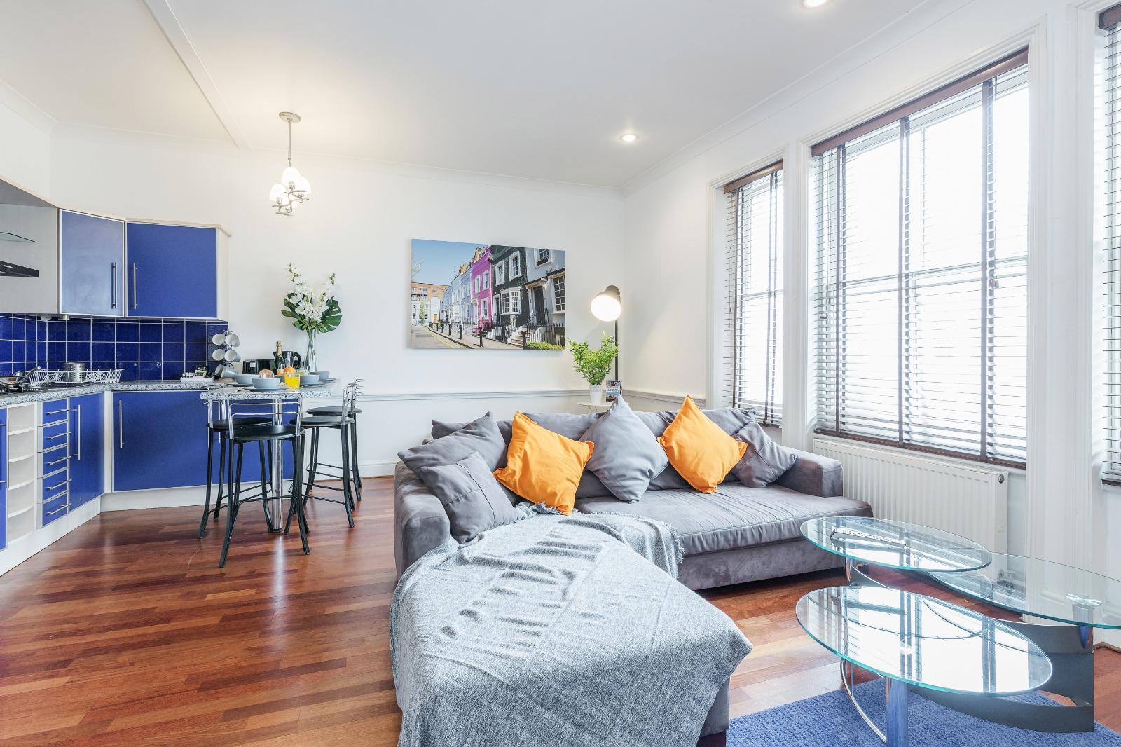 Open plan space at Clanricarde Gardens Apartment, Bayswater, London - Citybase Apartments