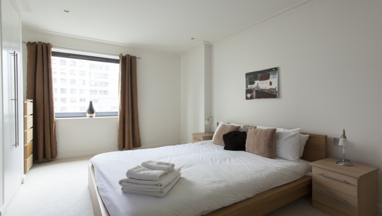 Bright bedroom in Discovery Dock Apartments - Citybase Apartments