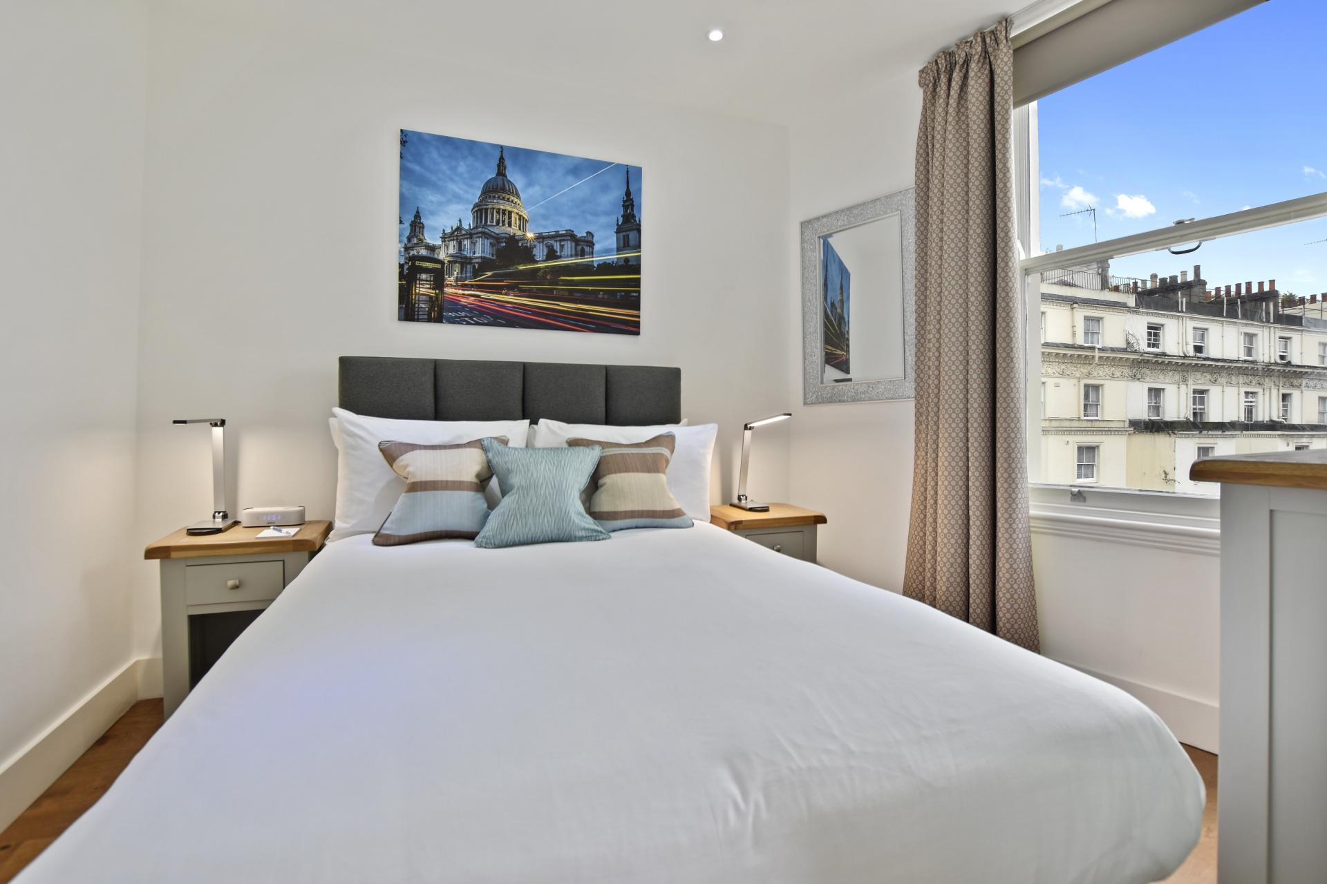 Bed at Leinster Square by Bridgestreet, Bayswater, London - Citybase Apartments