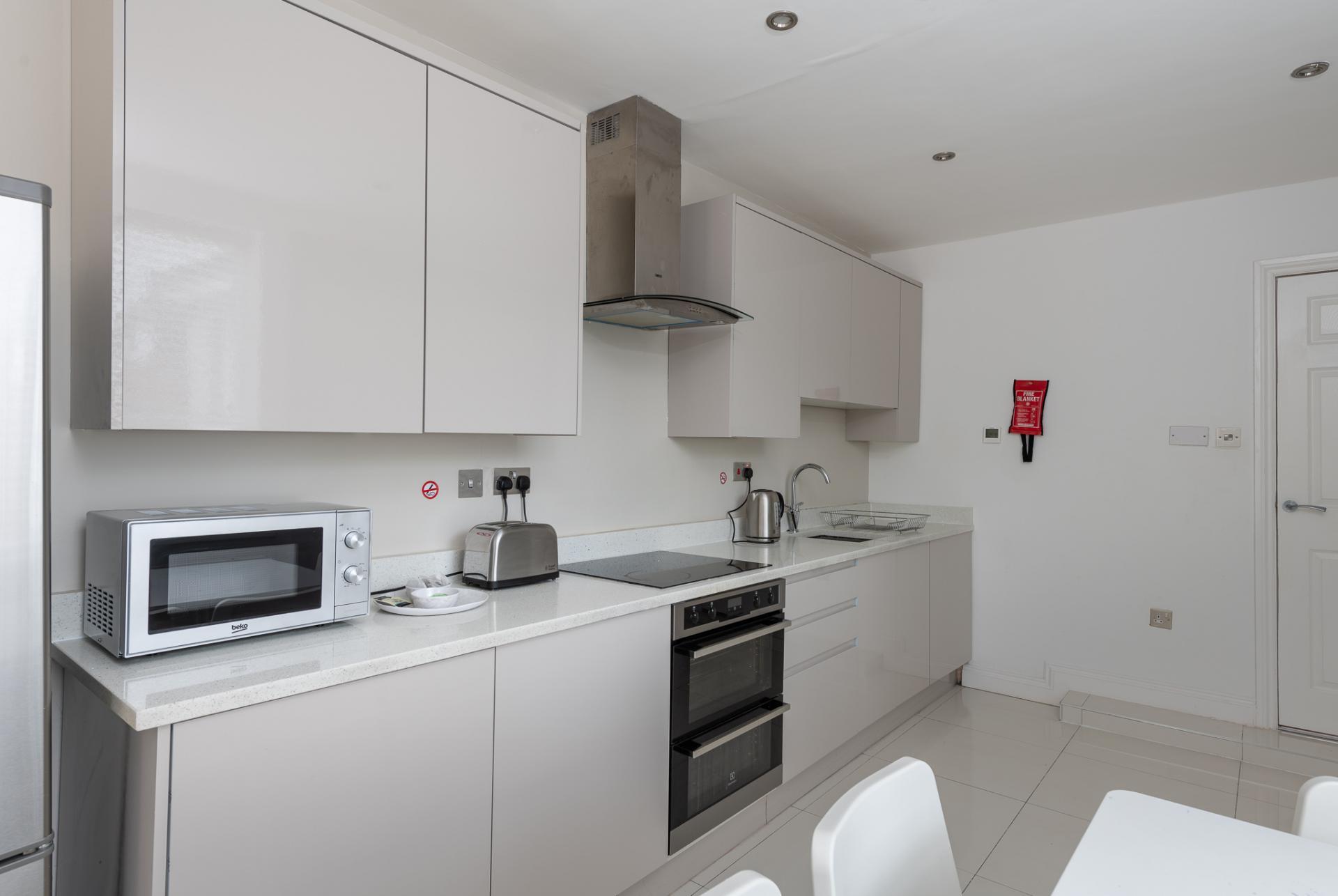 Kitchen at Edgbaston Apartments, Rotton Park, Birmingham - Citybase Apartments