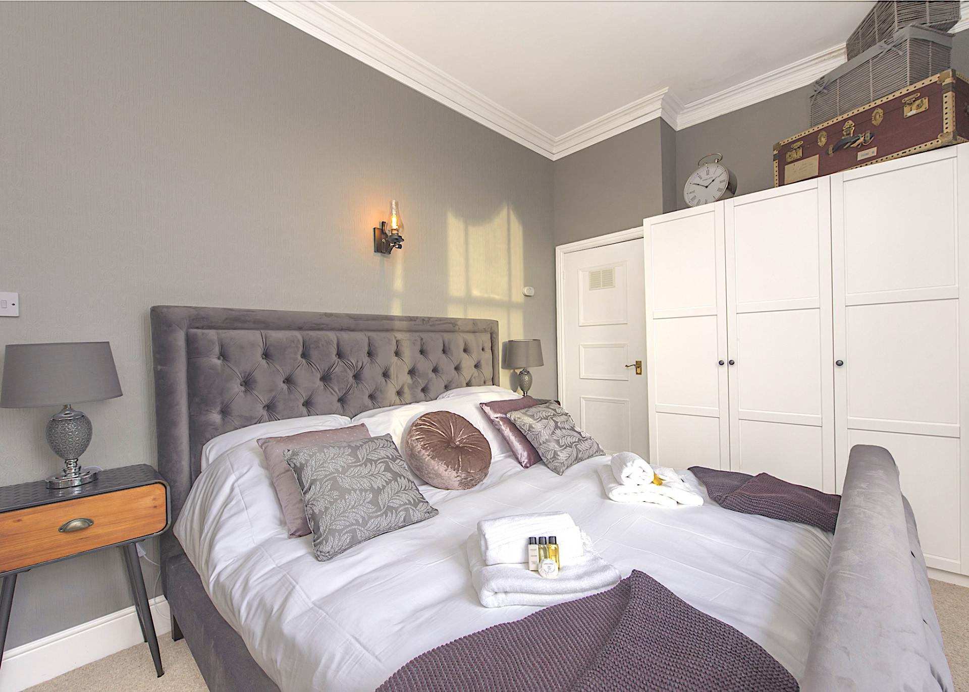 Bedroom at Nottingham Park View Apartment, Centre, Nottingham - Citybase Apartments