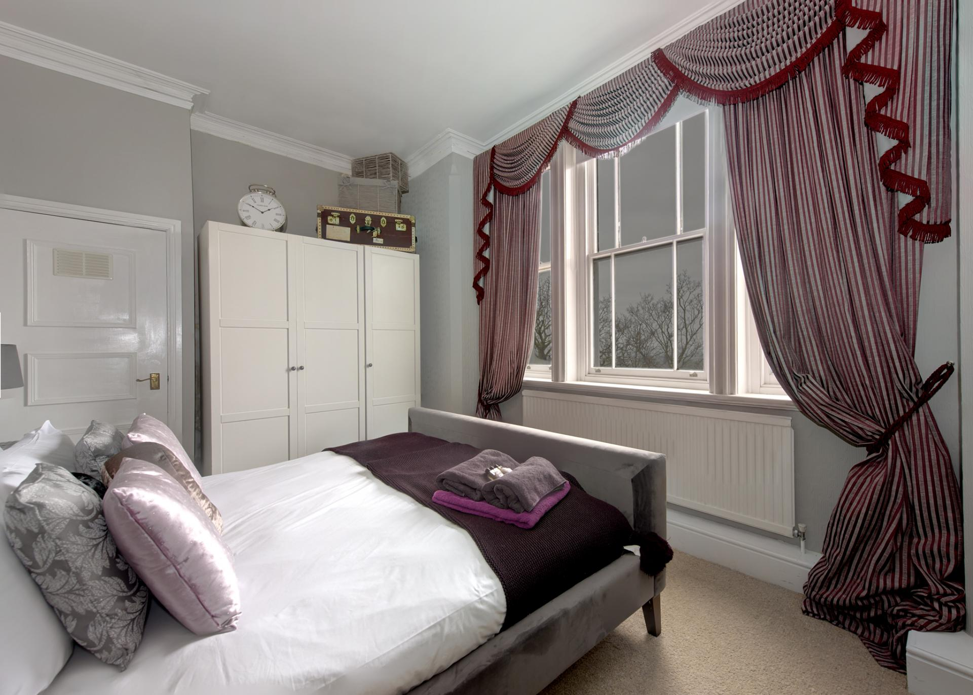 Bed at Nottingham Park View Apartment, Centre, Nottingham - Citybase Apartments
