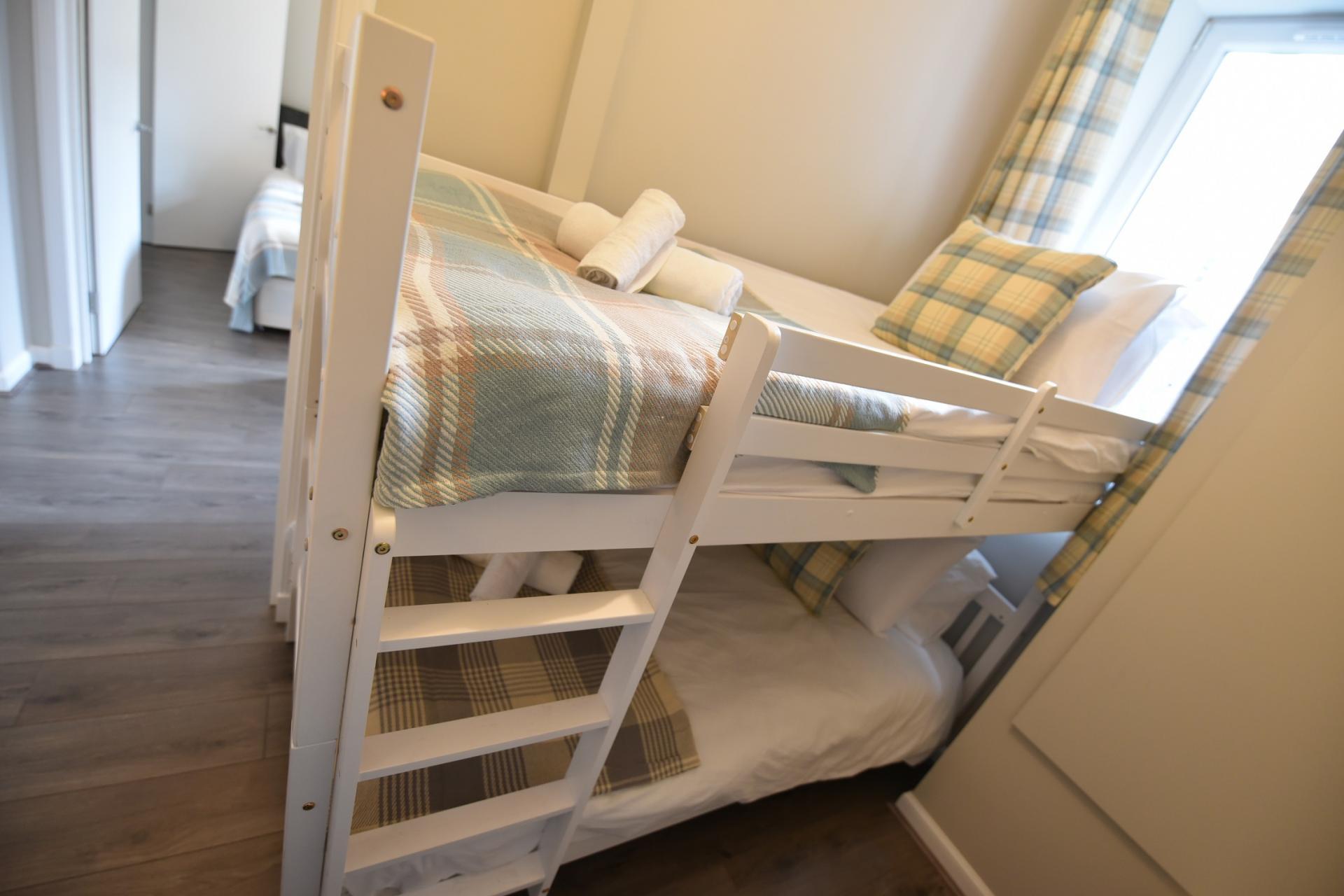 Bunk beds at Pleasance Luxury Apartment, Newington, Edinburgh - Citybase Apartments