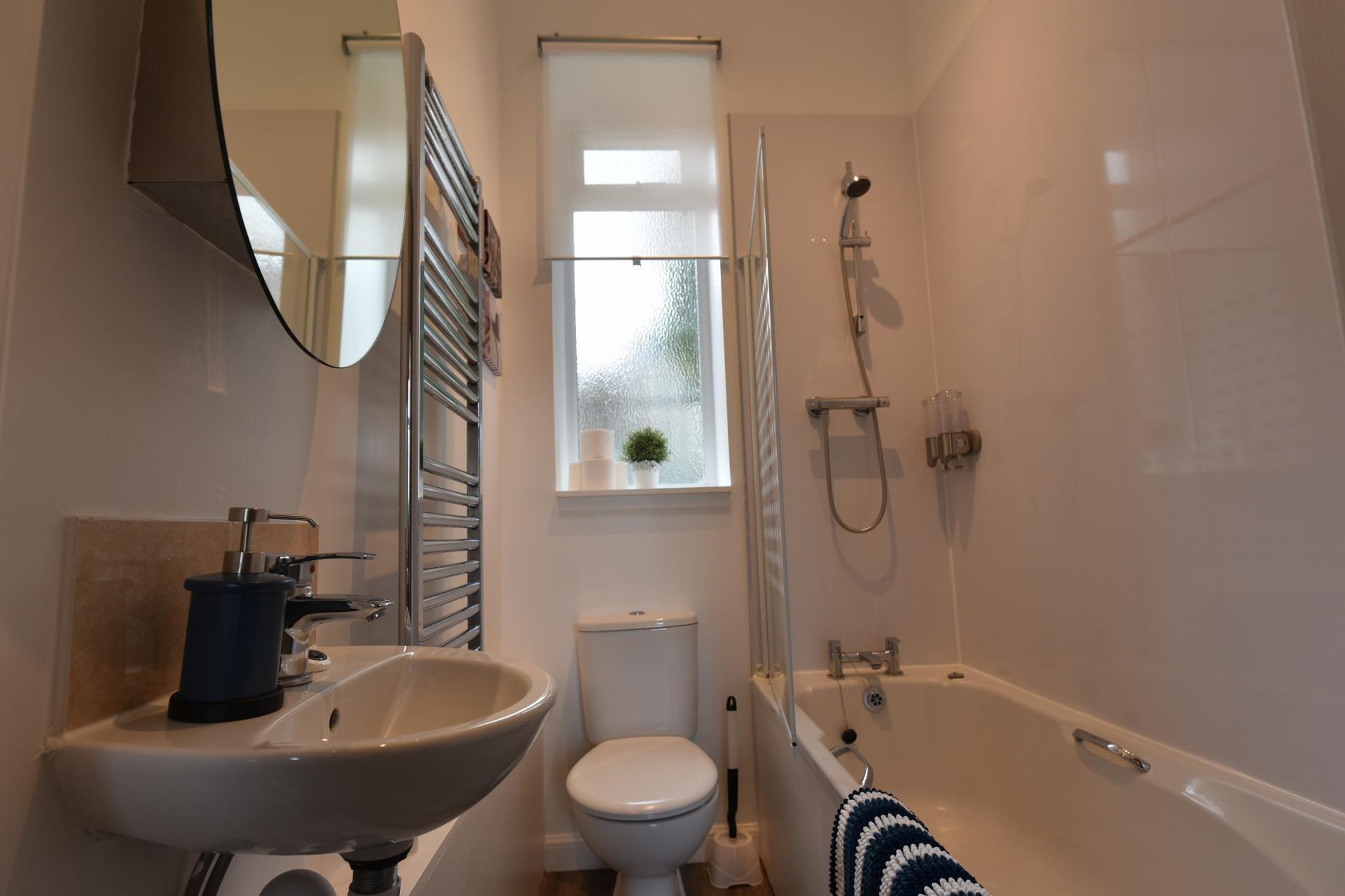 Bathroom at Pleasance Luxury Apartment, Newington, Edinburgh - Citybase Apartments