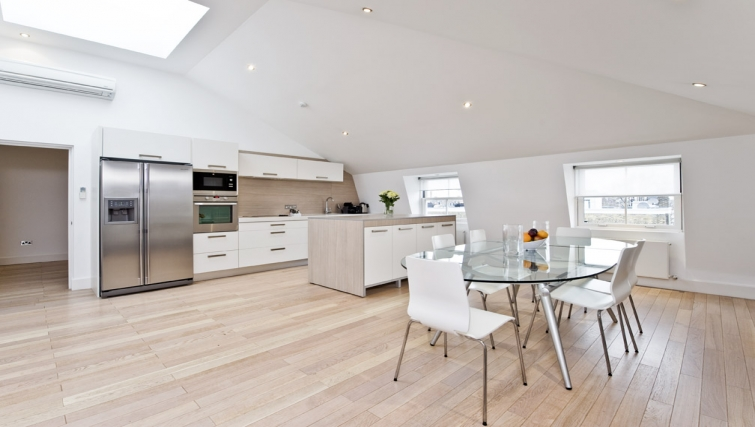 Modern kitchen in Nevern Place Aparthotel - Citybase Apartments