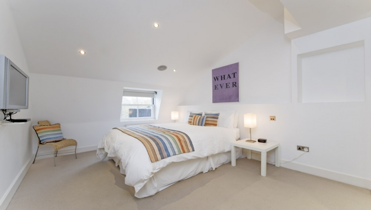 Executive bedroom in Nevern Place Aparthotel - Citybase Apartments